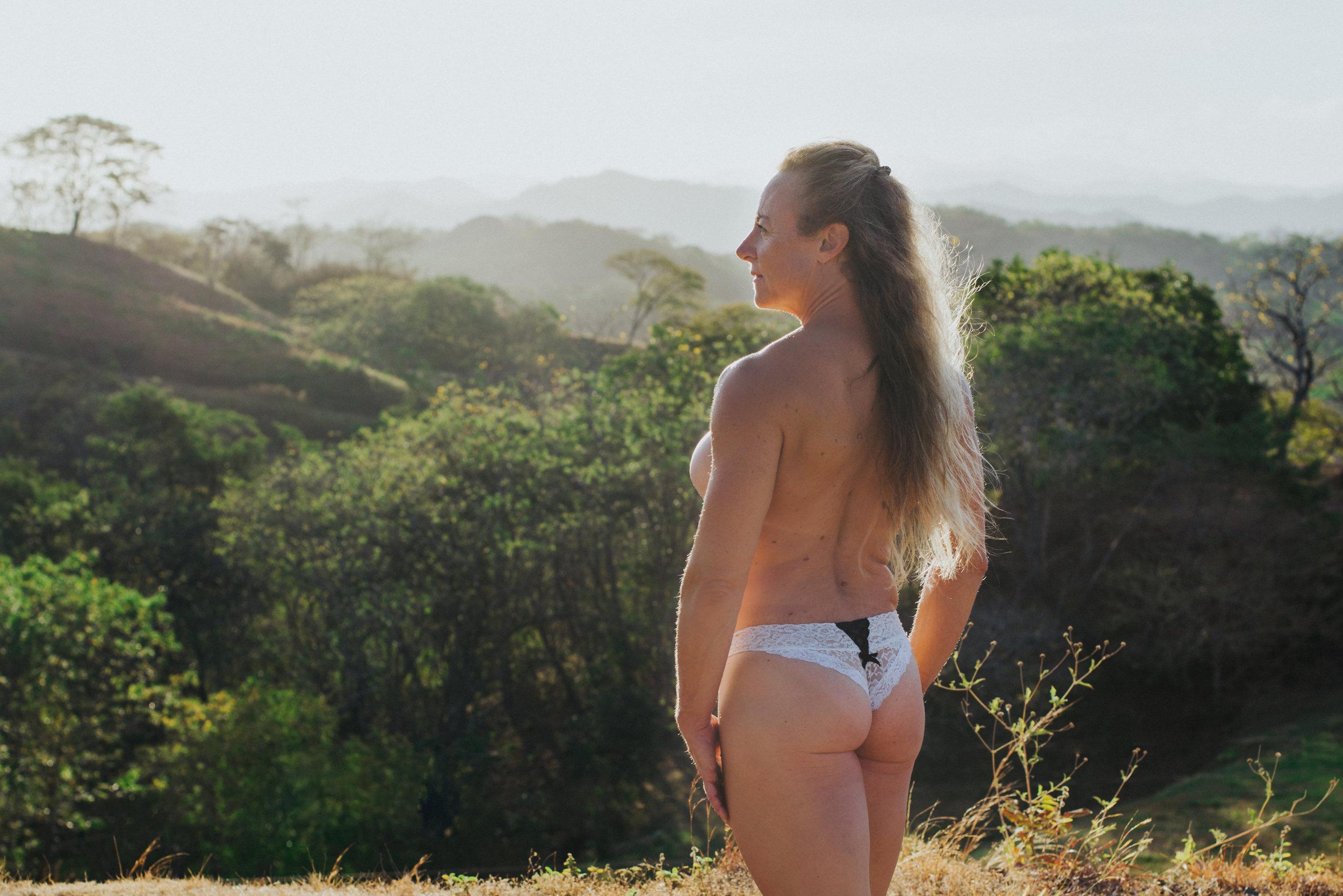 scandaleuse-photography-toronto-boudoir-Costa Rica-4.jpg