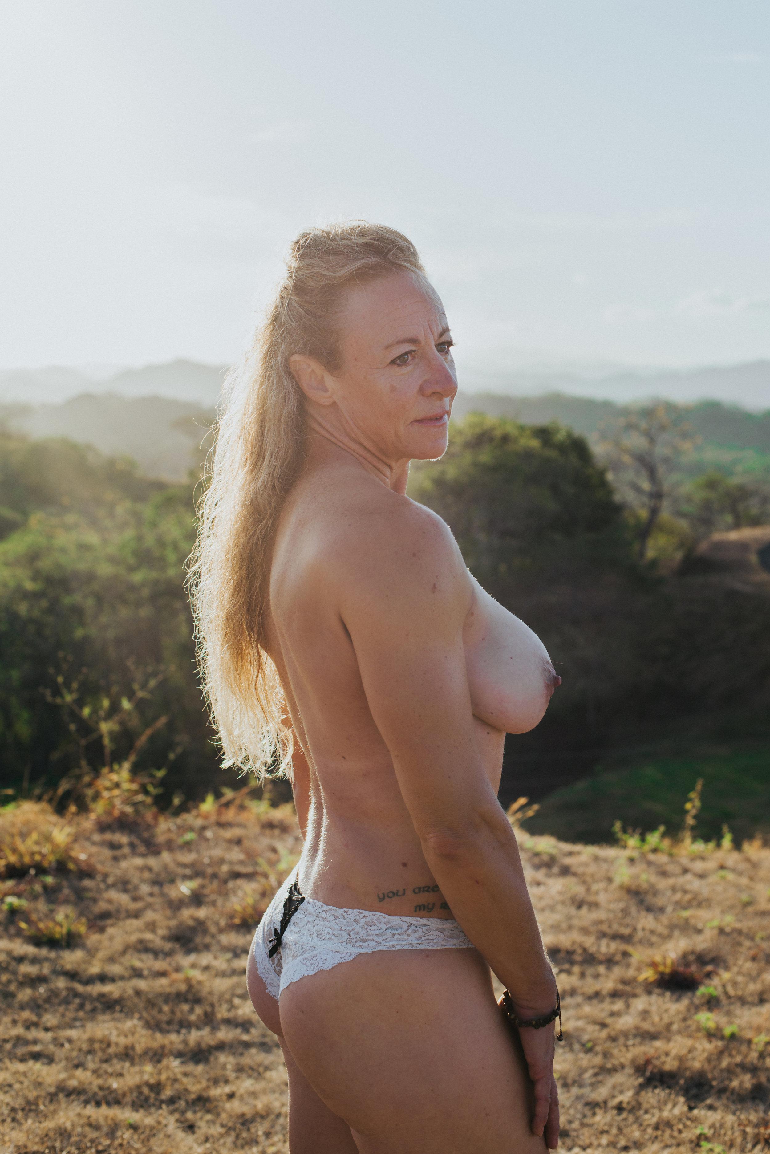 scandaleuse-photography-toronto-boudoir-Costa Rica.jpg