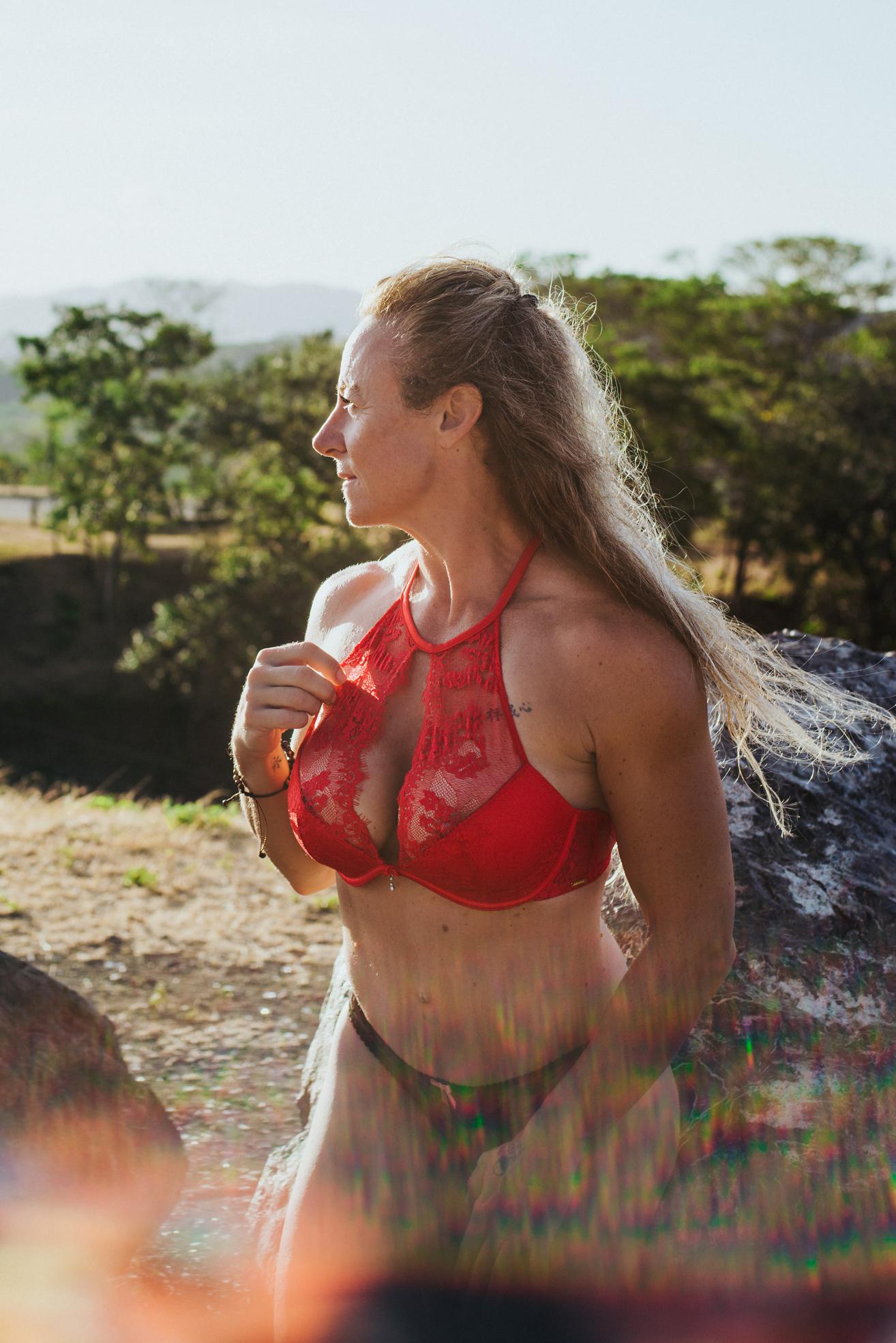 boudoir photographer- toronto-scandaleuse photography-boudoir photography-costa rica-toronto blog-blogger-woman-sexy-erotism-erotic-nude