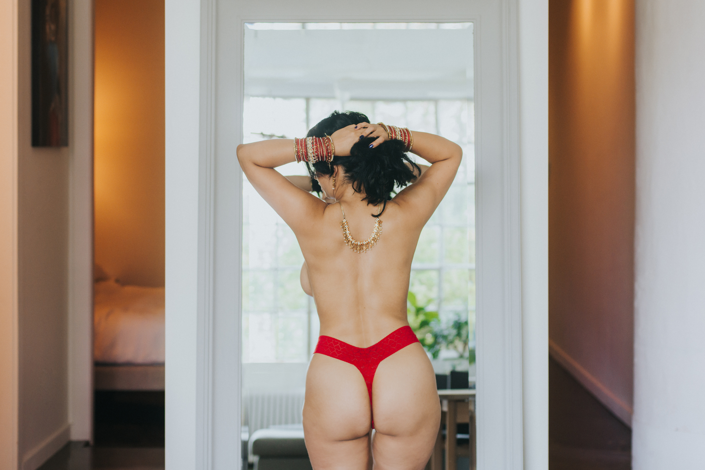 scandaleuse photography-toronto-blog-photographer-boudoir-woman-women-sensuality-sexuality-life-canada-business-coaching-fitness-man-men