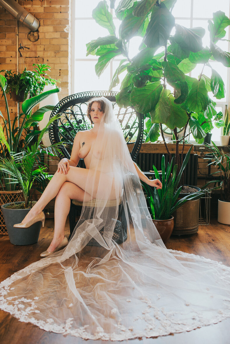 women-boudoir-empowerment-sandaleuse-photography-coaching-toronto-ontario-5.jpg