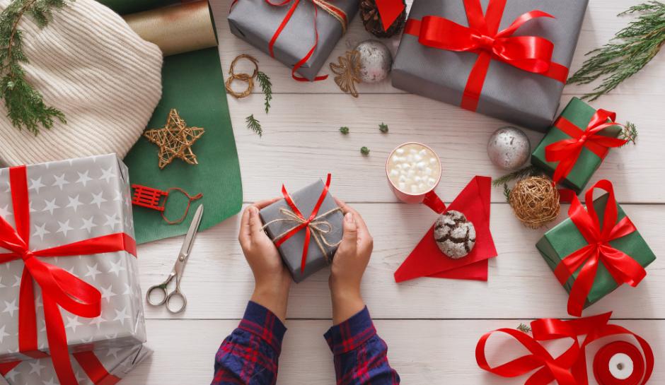 DIY-Christmas-Gifts-DIY-Christmas-Decor.jpg