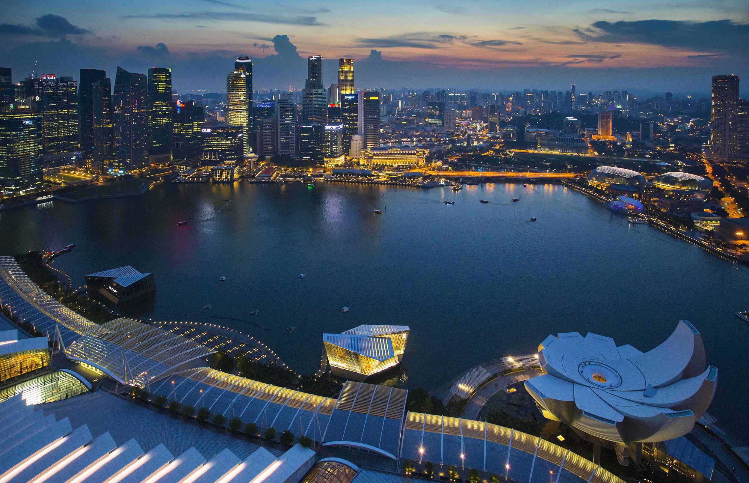 singapore-skyline-with-topview-twilight_SDeIaxunfe.jpg