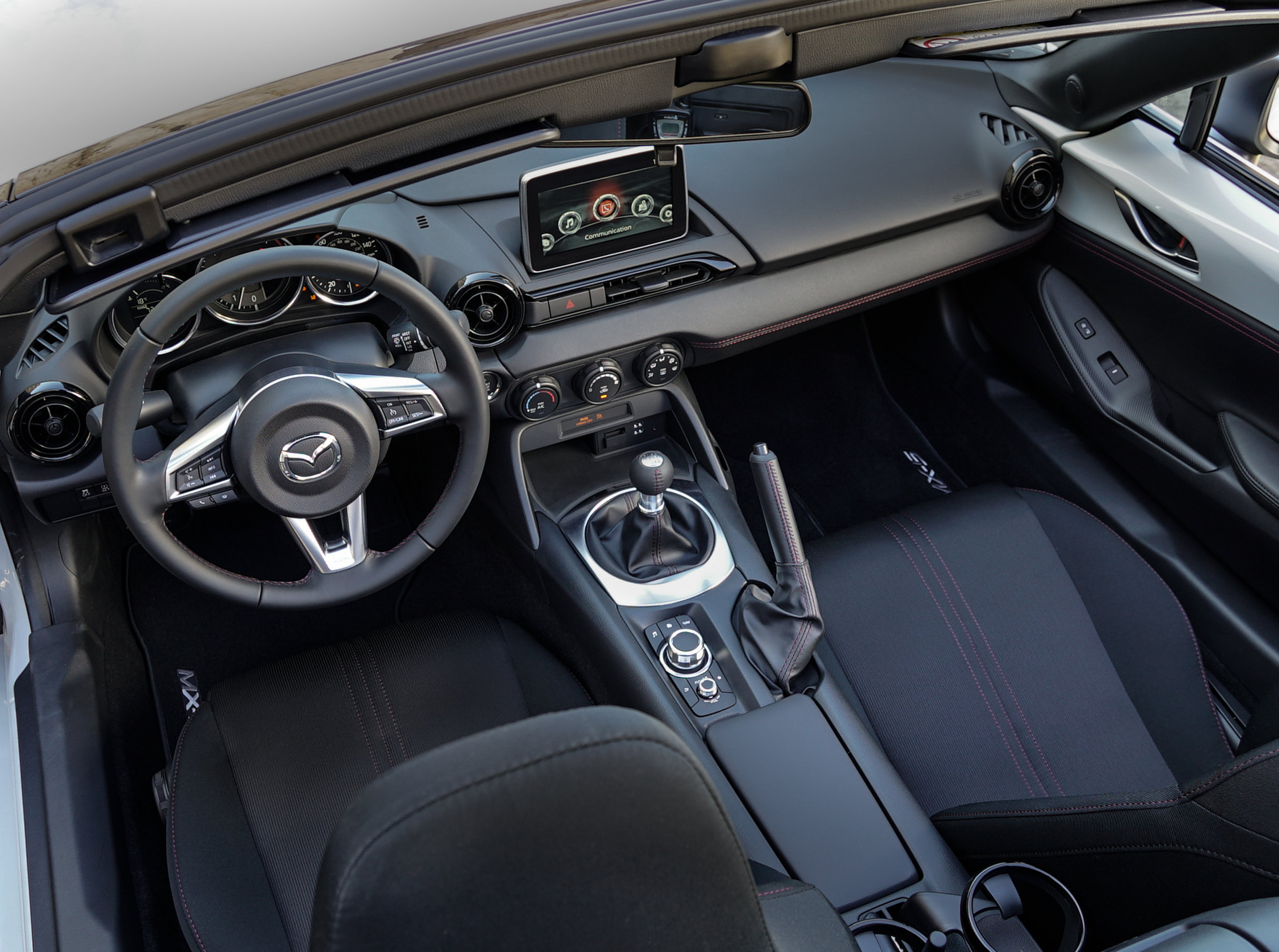 Image 3 MX5Club_2016_037 interior.jpg