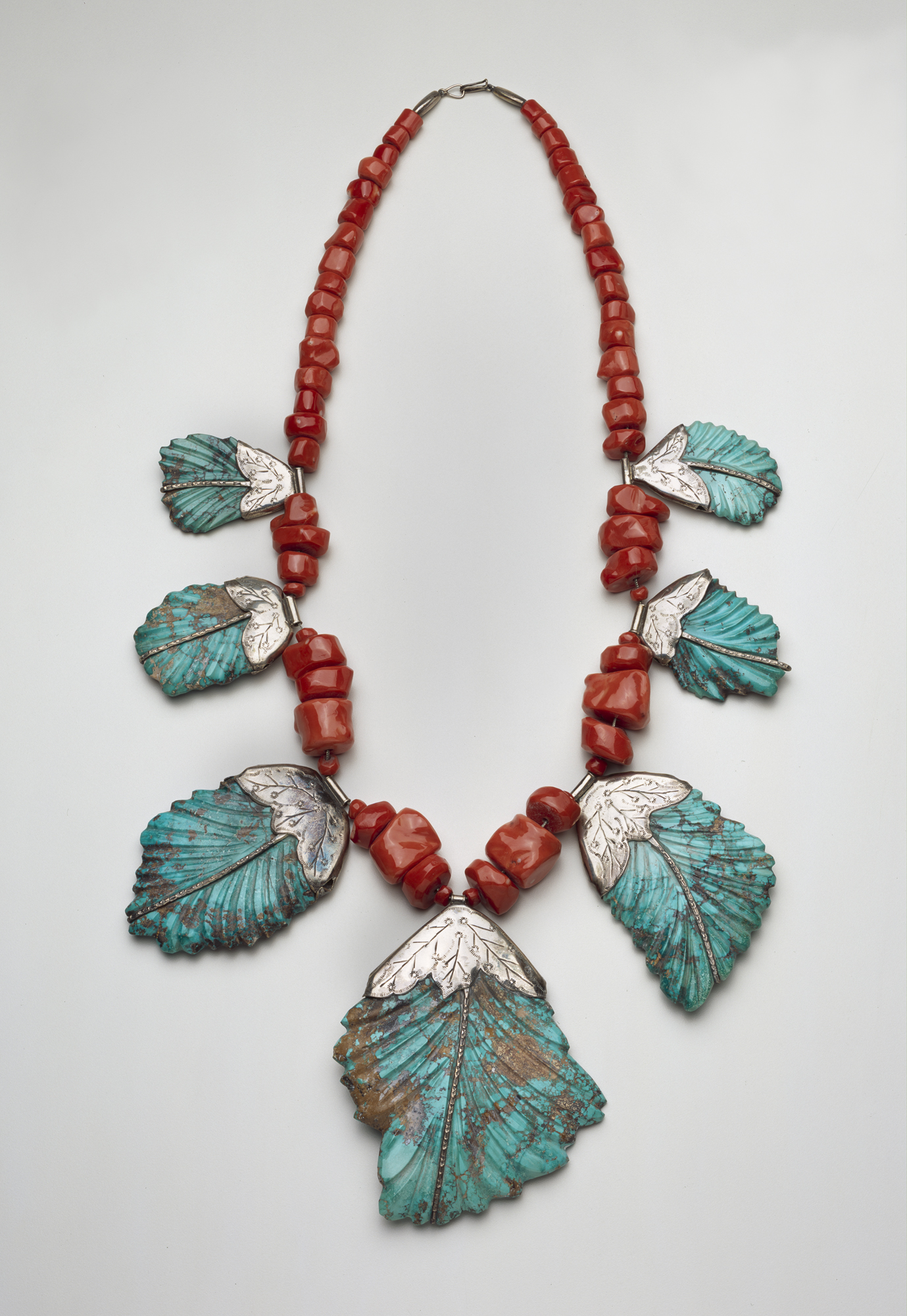 Leekya Deyuse Vintage Zuni Turquoise Coral Bird Carved Fetish Necklace