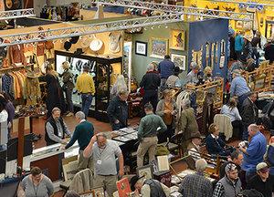 High-Noon-Show-Shoppers-400x288.jpg