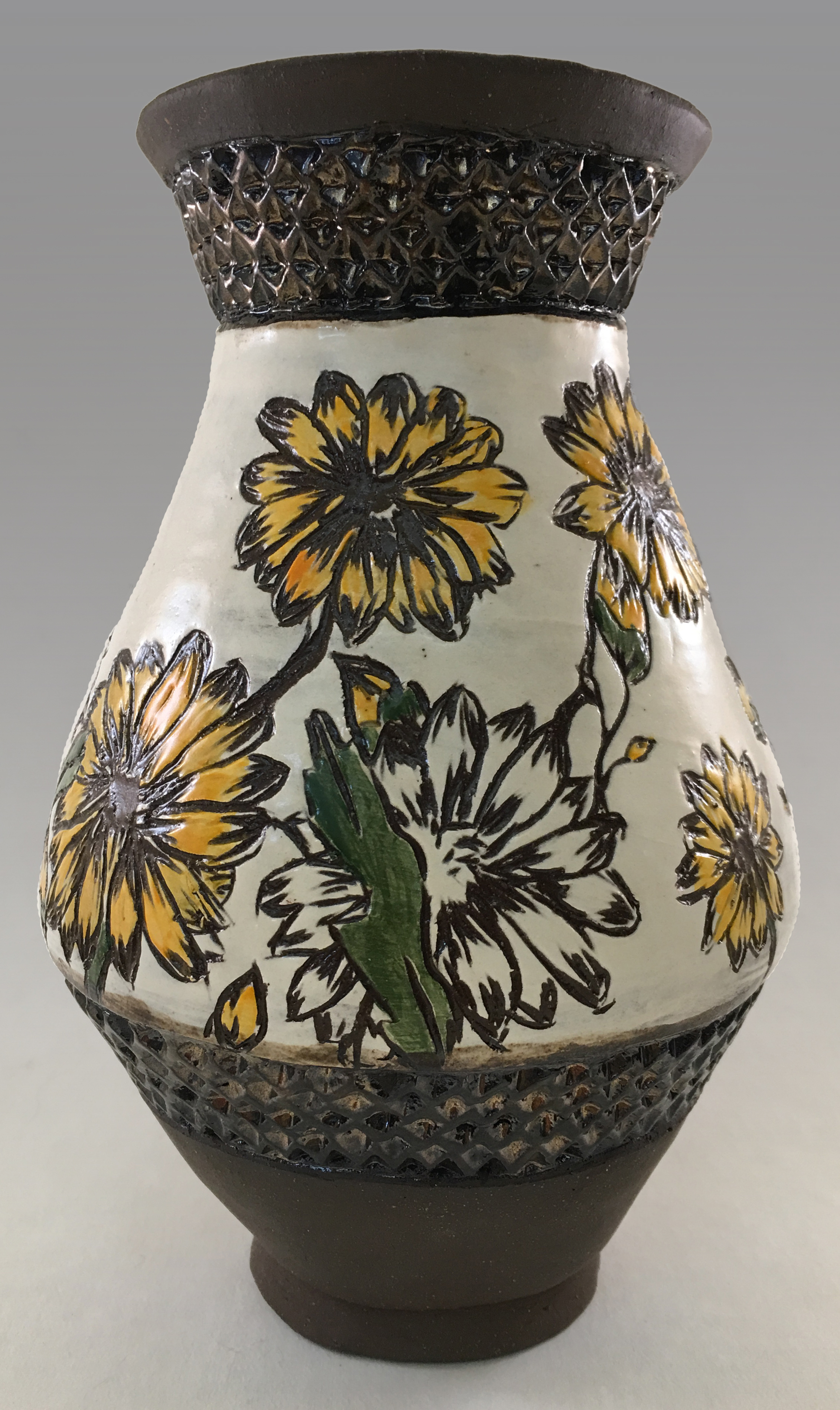 Rhea - vase (right).jpg