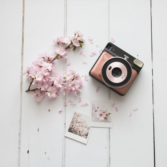 The+Paper+Fox+Wedding+Gift+Guide. Instax Blush gold Camera