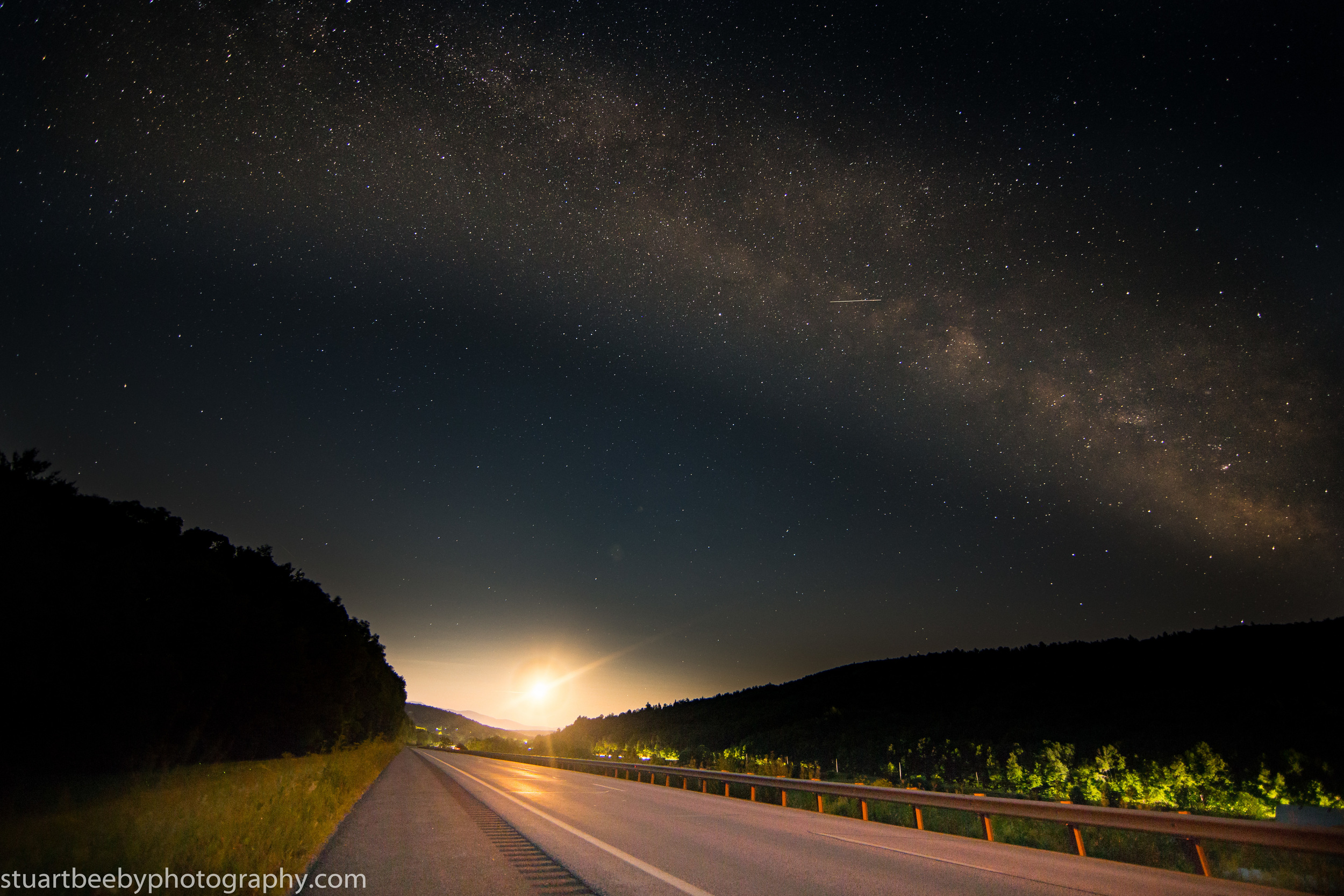 Stuart Beeby: Canon 6D, 14mm, ISO 2000, F2.8, 15 seconds