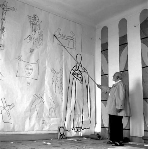 Lucien Hervé:  Henri Matisse, painter and sculptor, Hotel Regina, Nice , 1949.