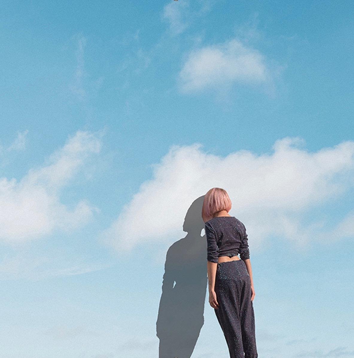 Gaia Barnatan,  Head in the clouds