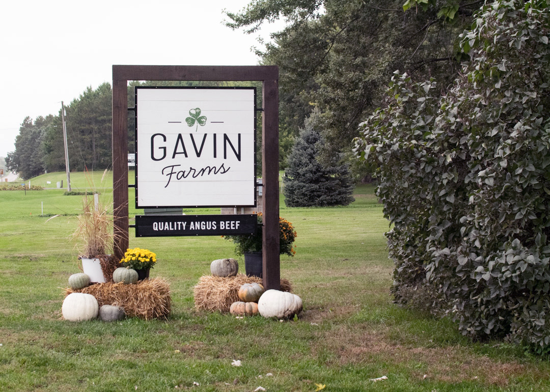gavin-farms-exterior-sign