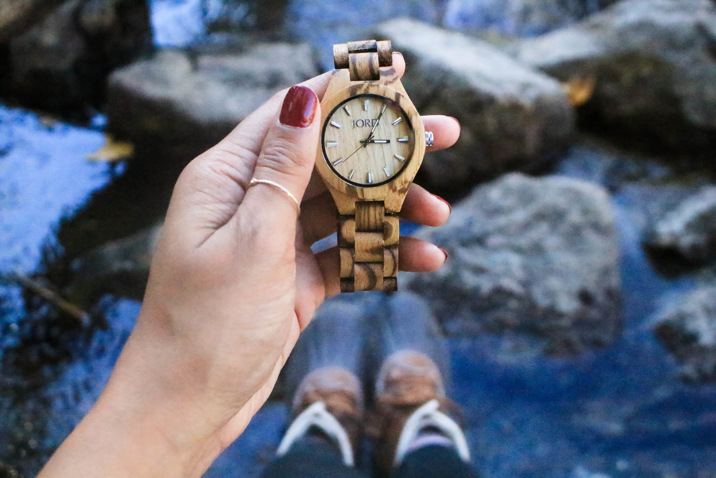 JORD WOOD WATCH MADE WITH SCRATCH RESISTANT GLASS MADE PERFECT FOR HIKING