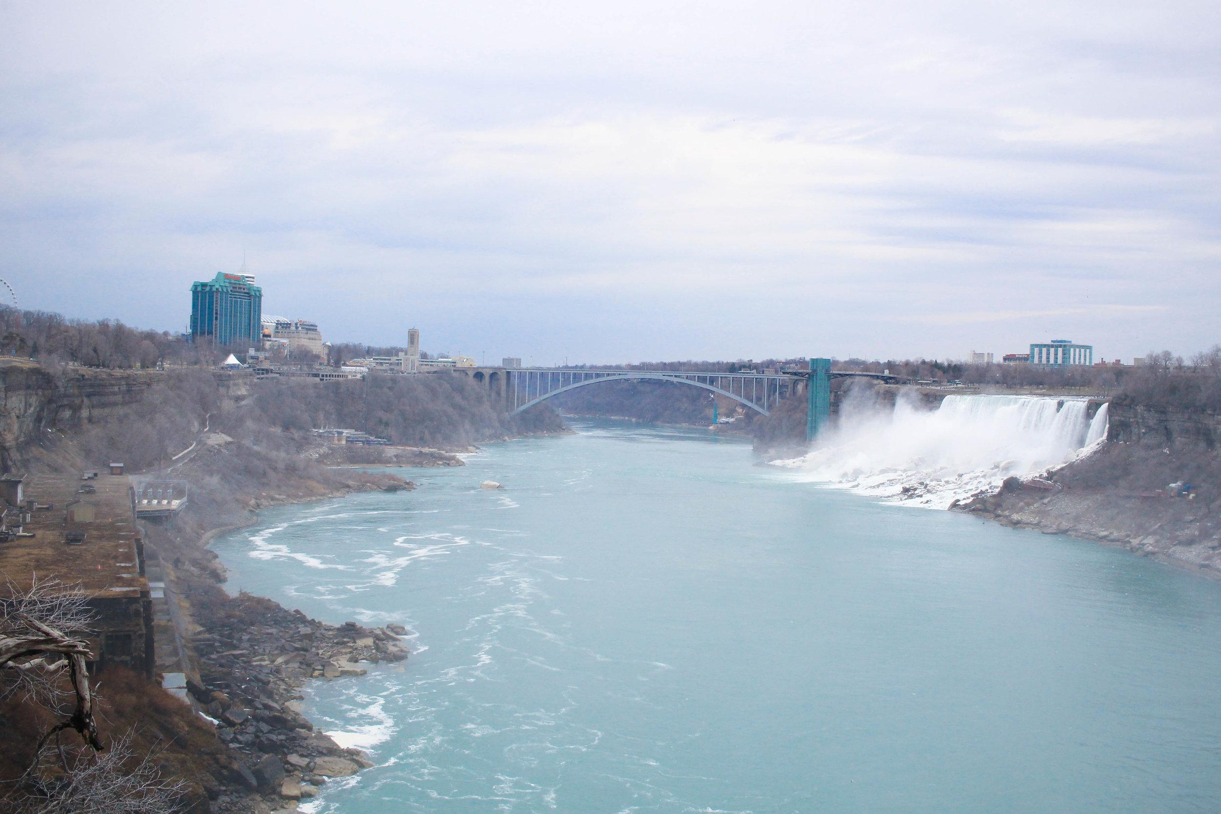 the rainbow bridge -niagara falls, ontario, canada