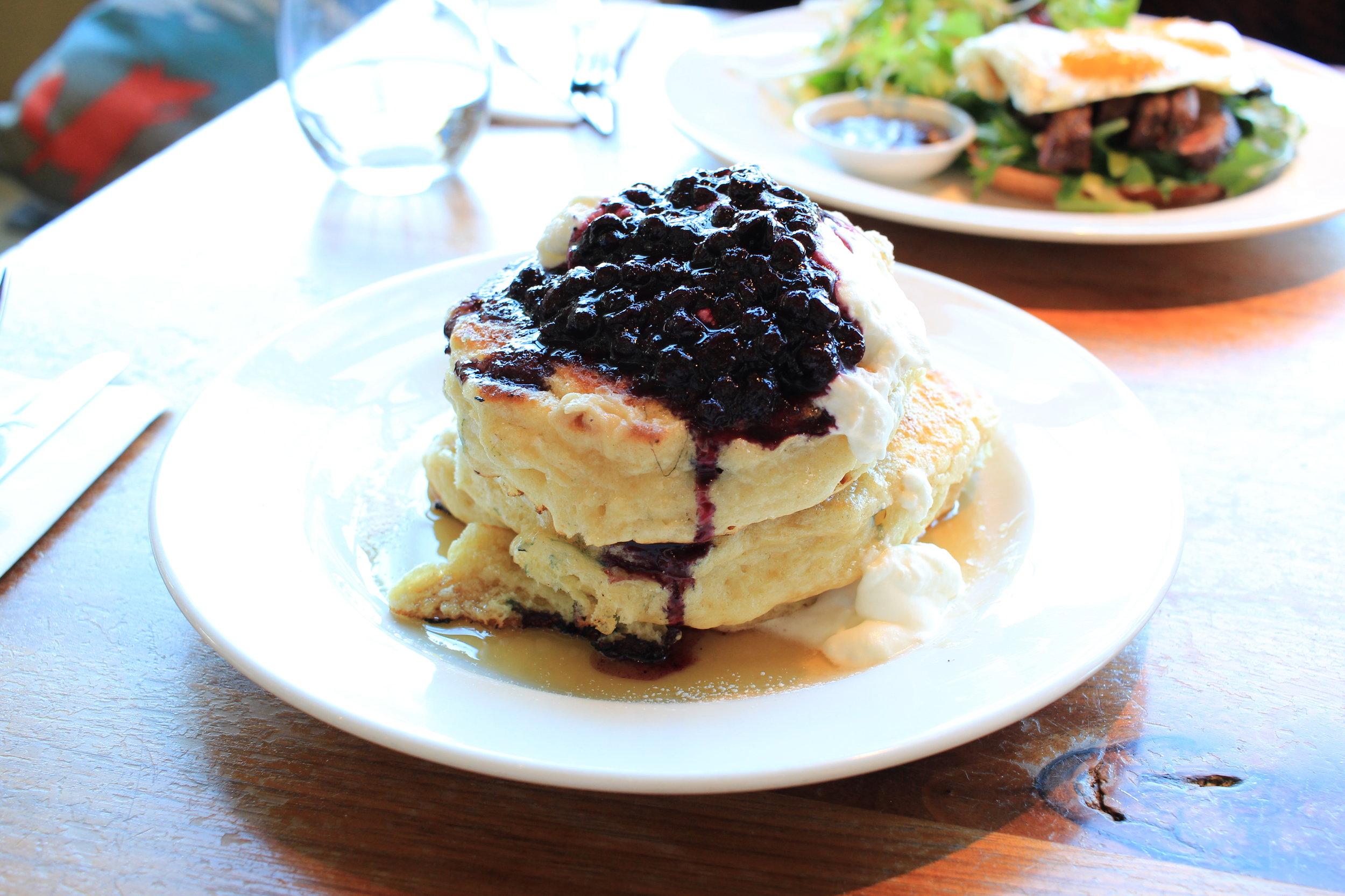 mildred's temple kitchen blueberry pancakces