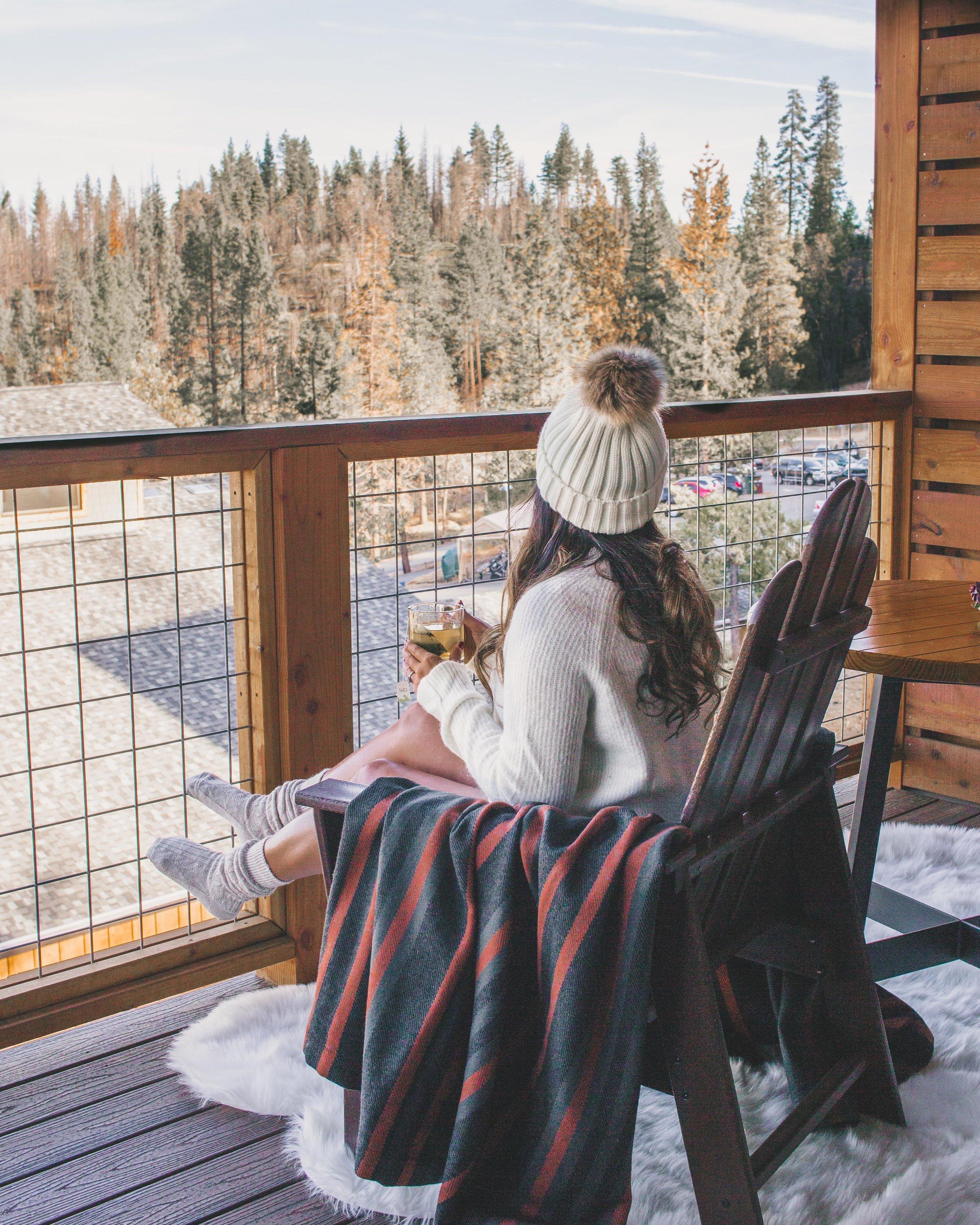 Rush Creek Lodge in Yosemite