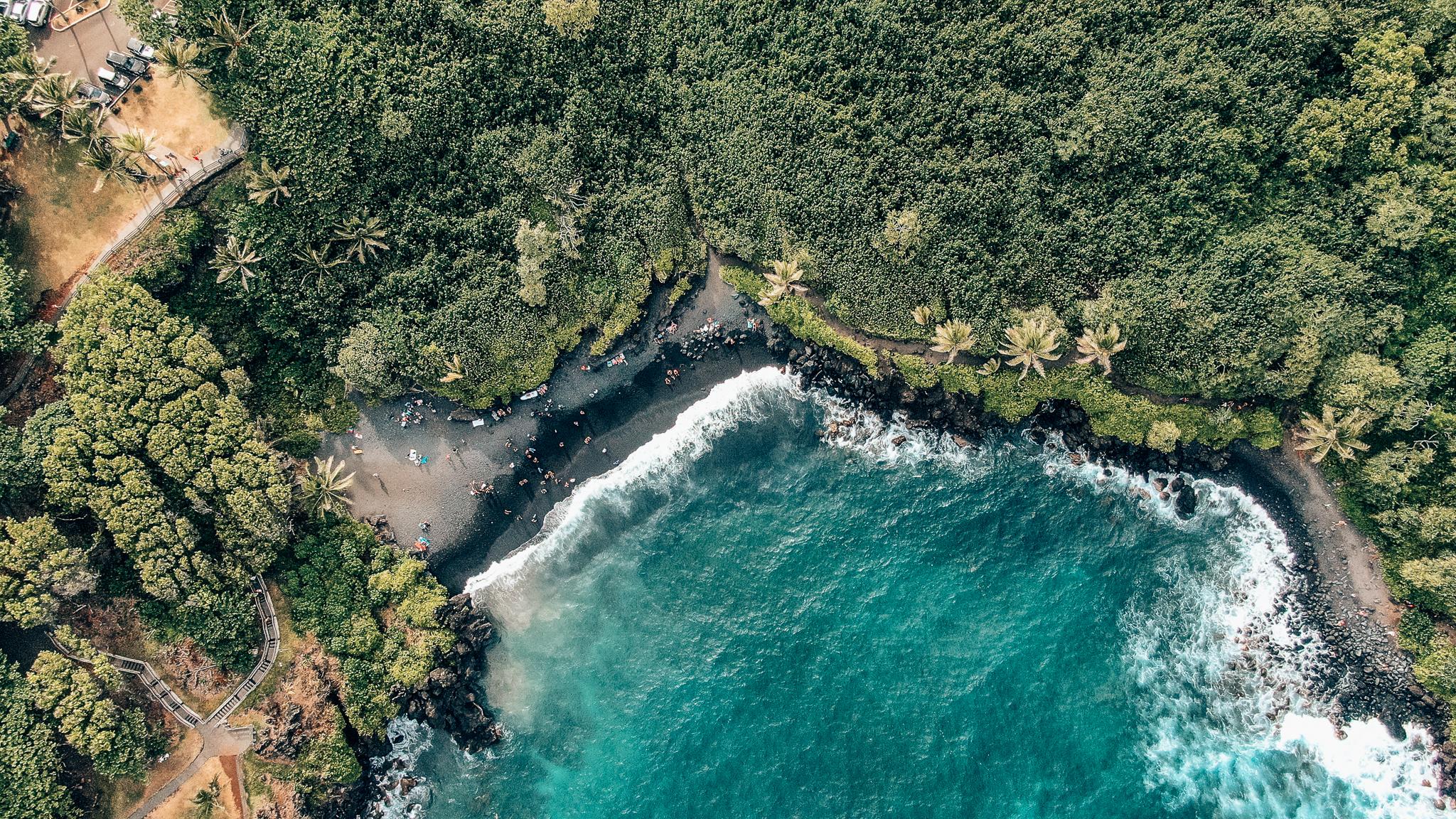 Honokalani Black Sand Beach from above - Wai'anapanapa State Park