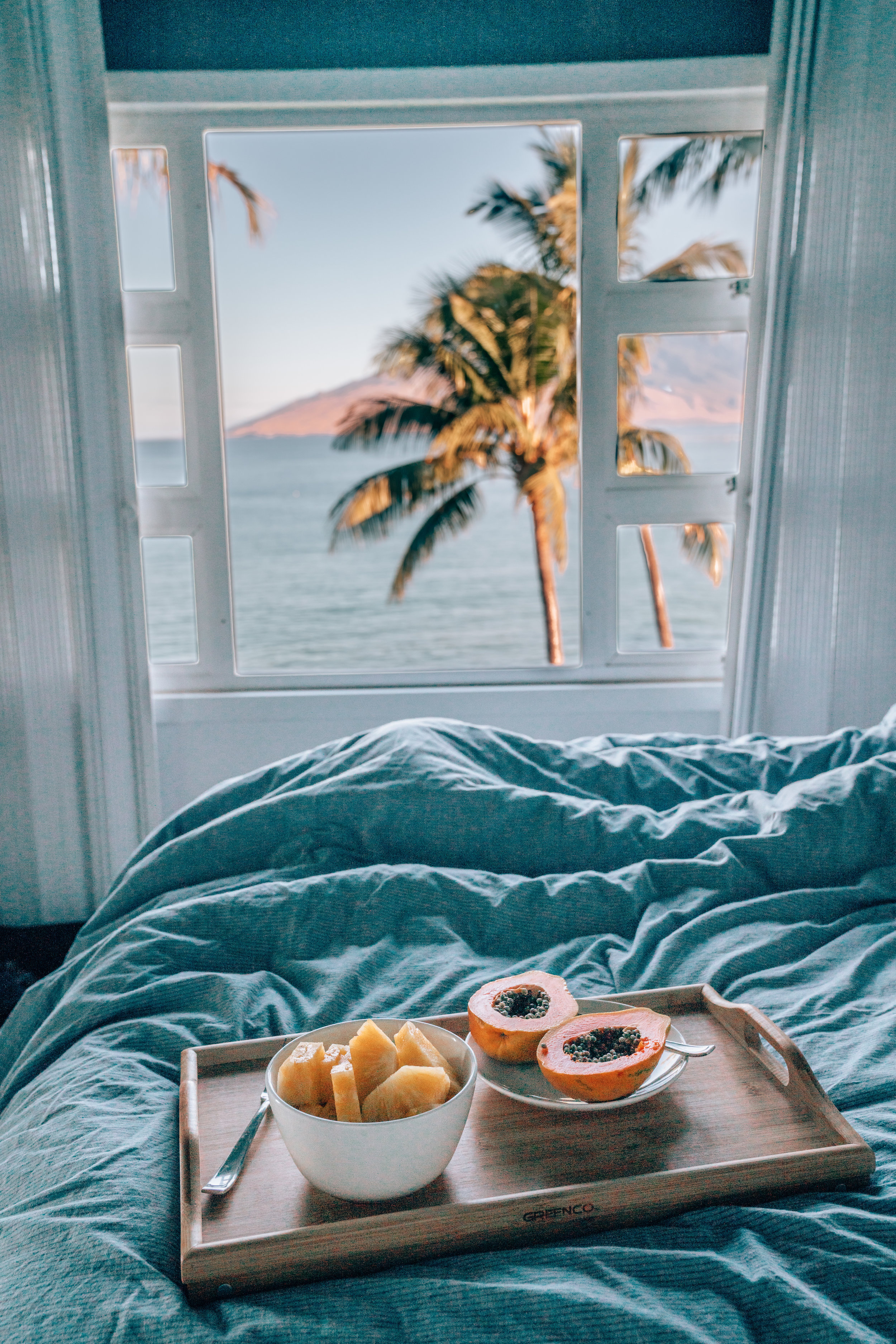 Breakfast in Bed at Maui Beachside