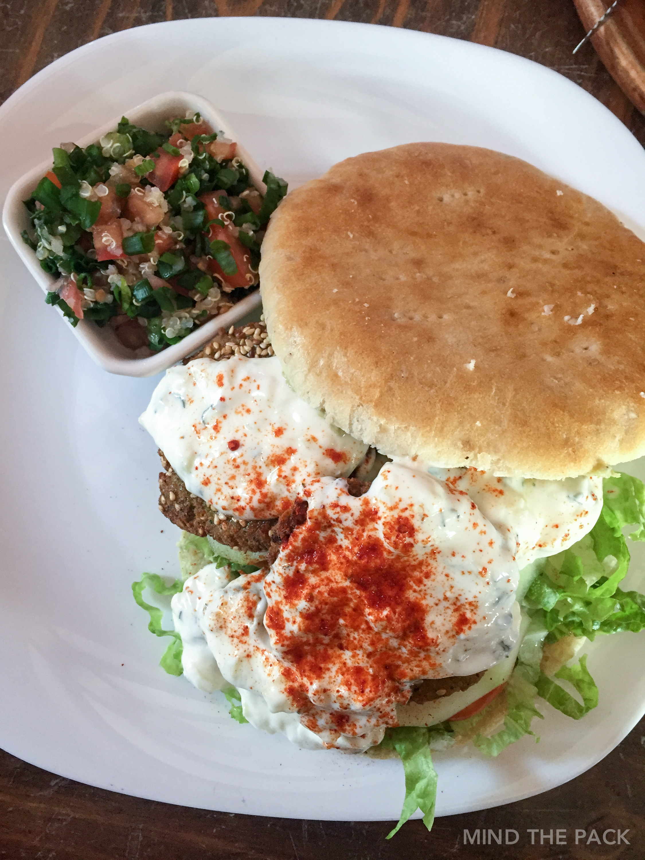 Condor cafe – Falafel burger