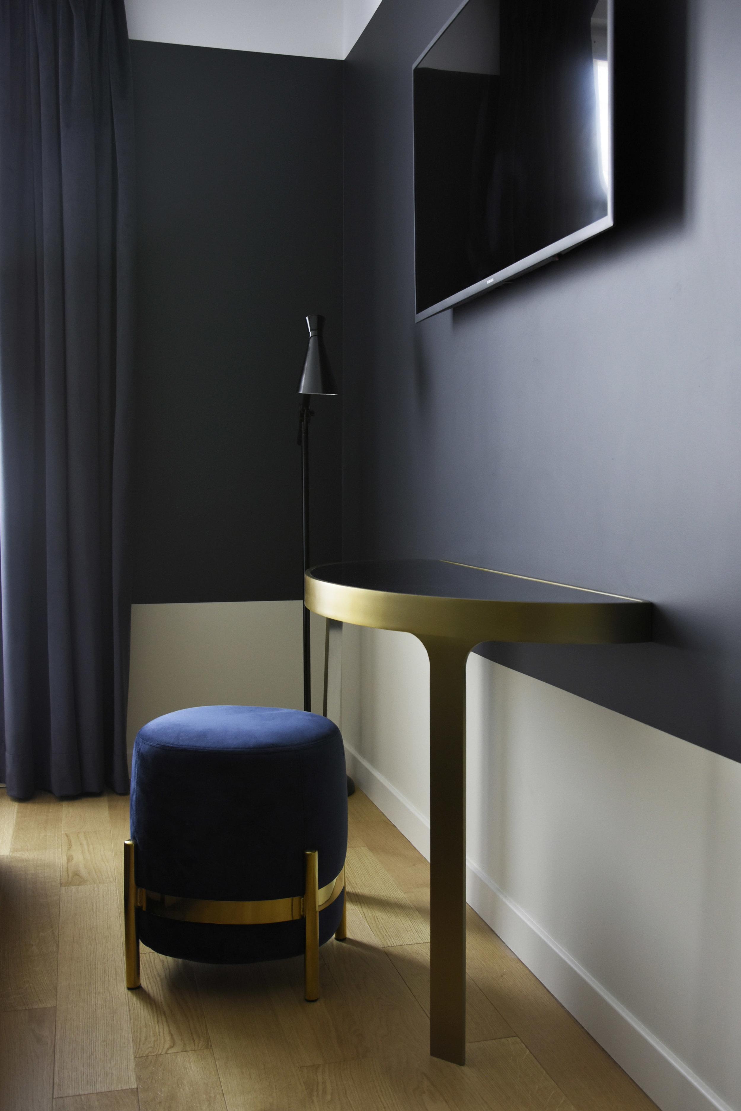 Hotel Parisianer / VEGA pouf lamp