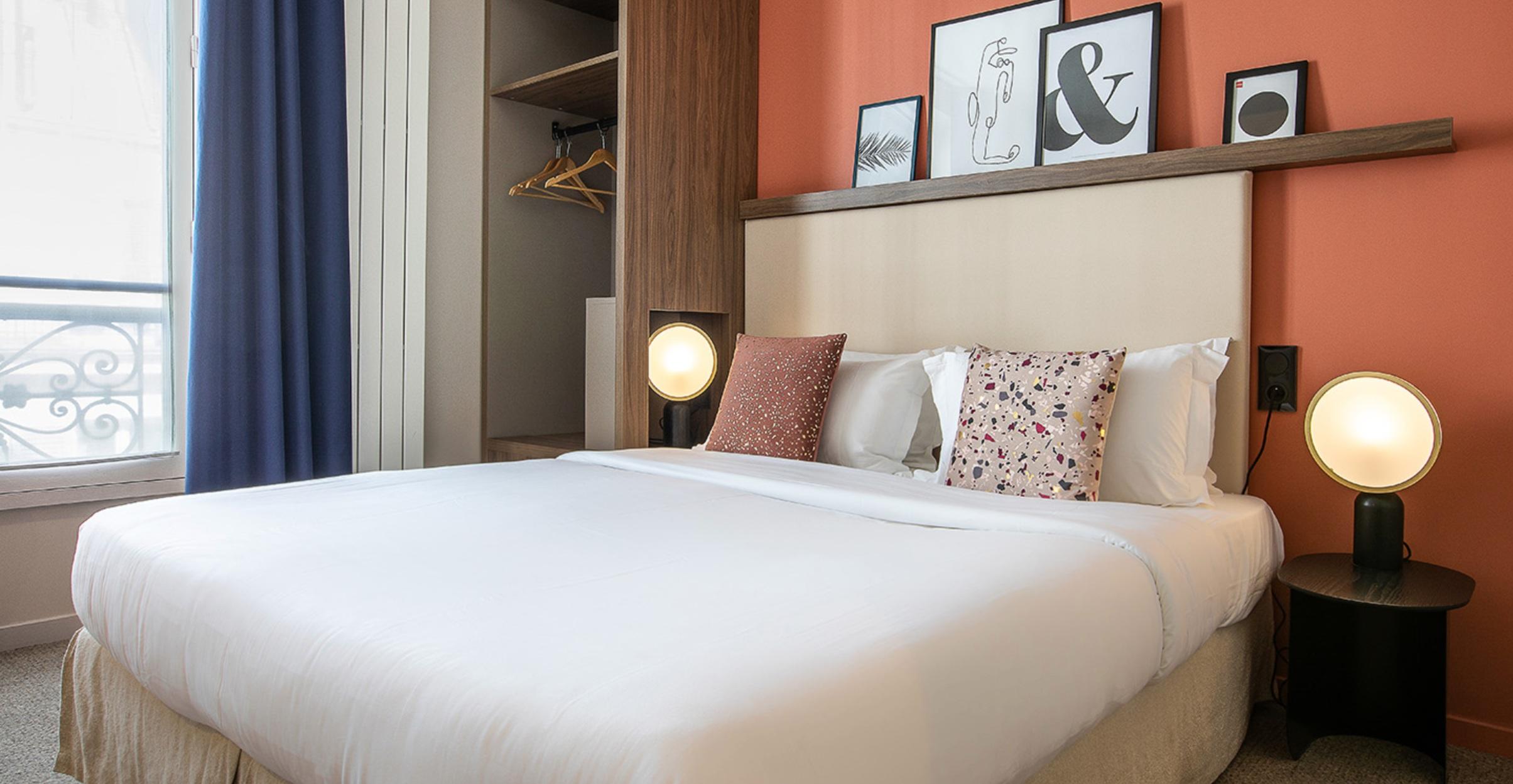 Petit Belloy hotel / ATLAS lamp