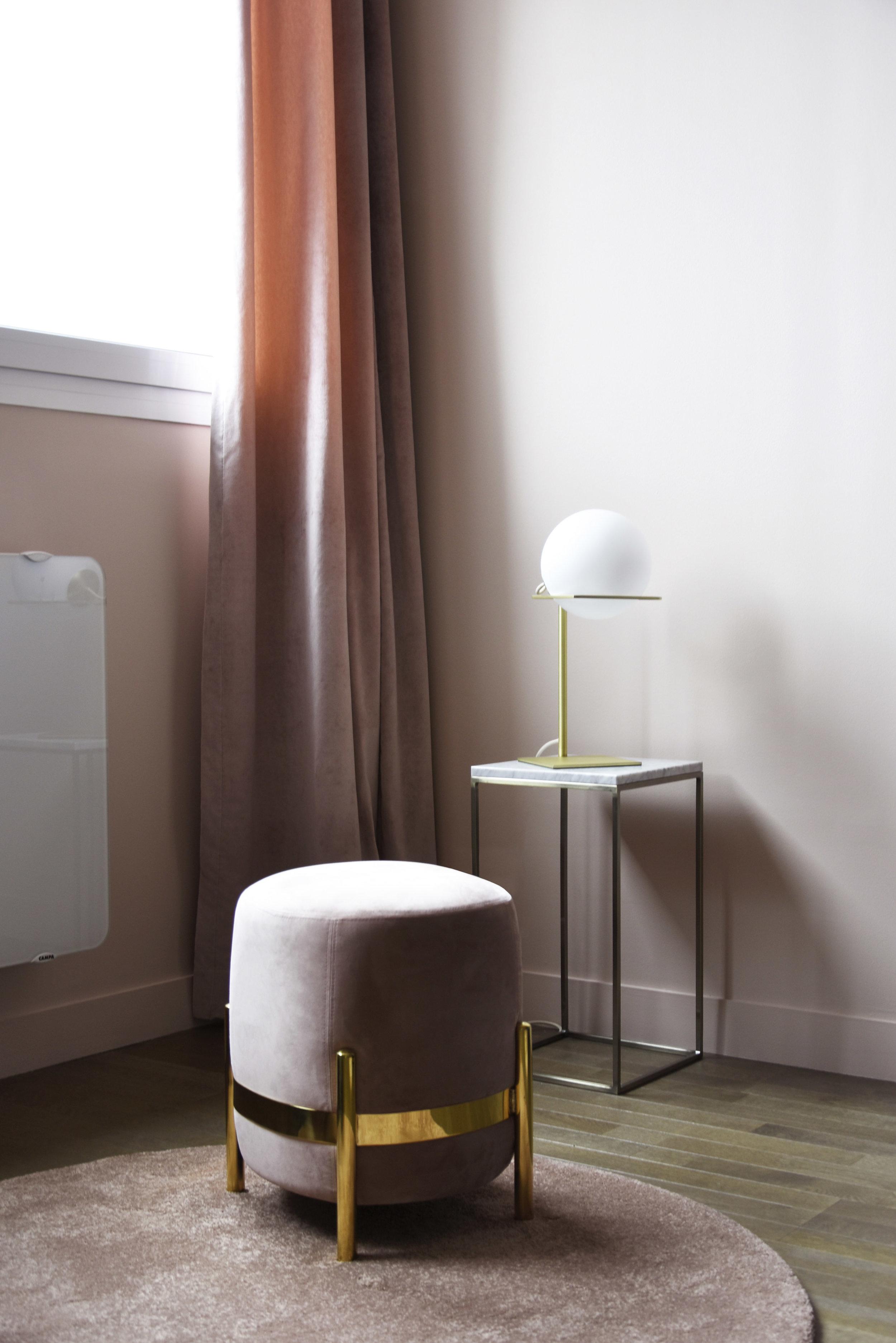 GALERIE LAFAYETTE espace client premium / VEGA pouf & GIN lamp