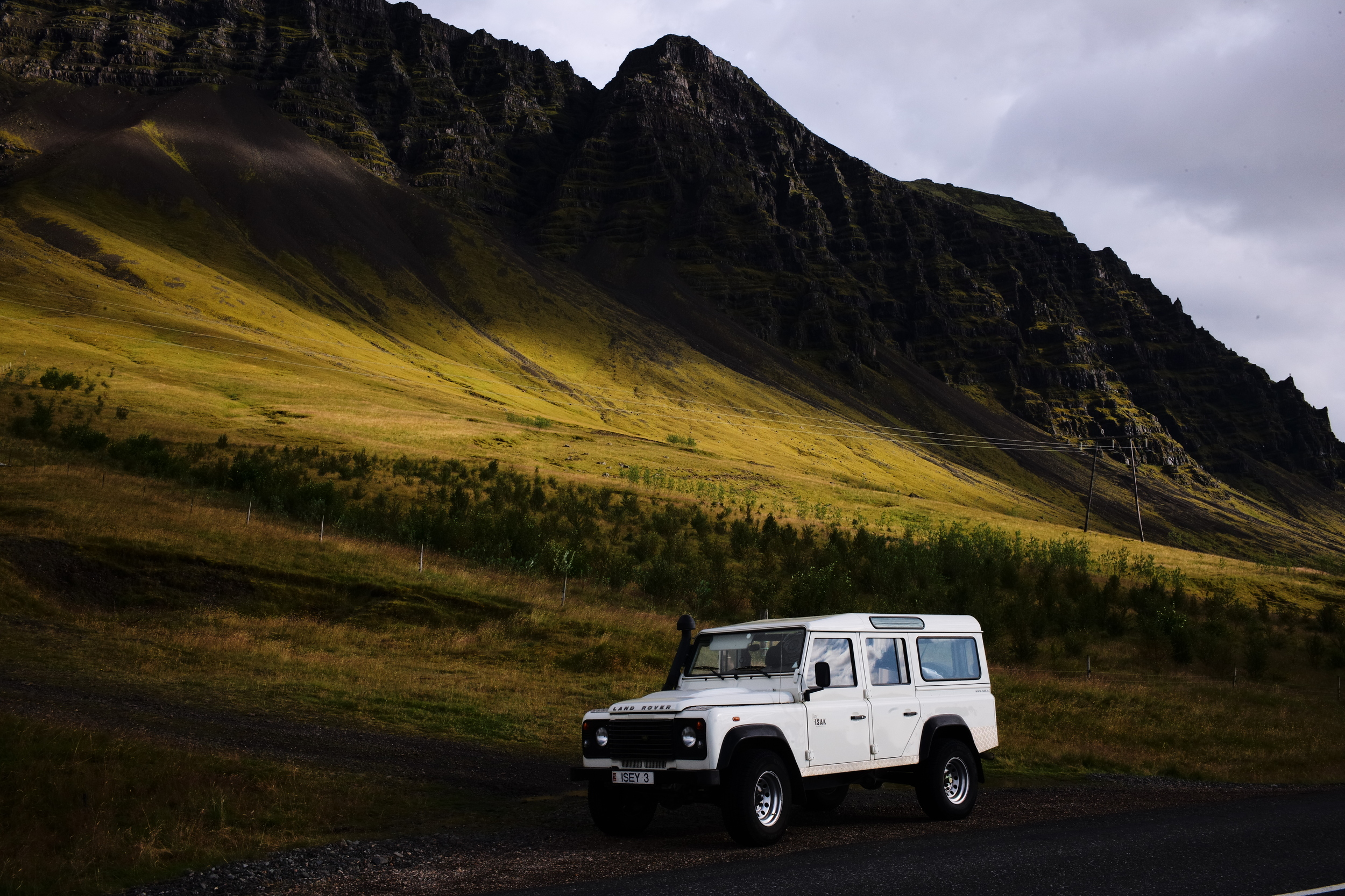 The Ísak jeeps got us around safely