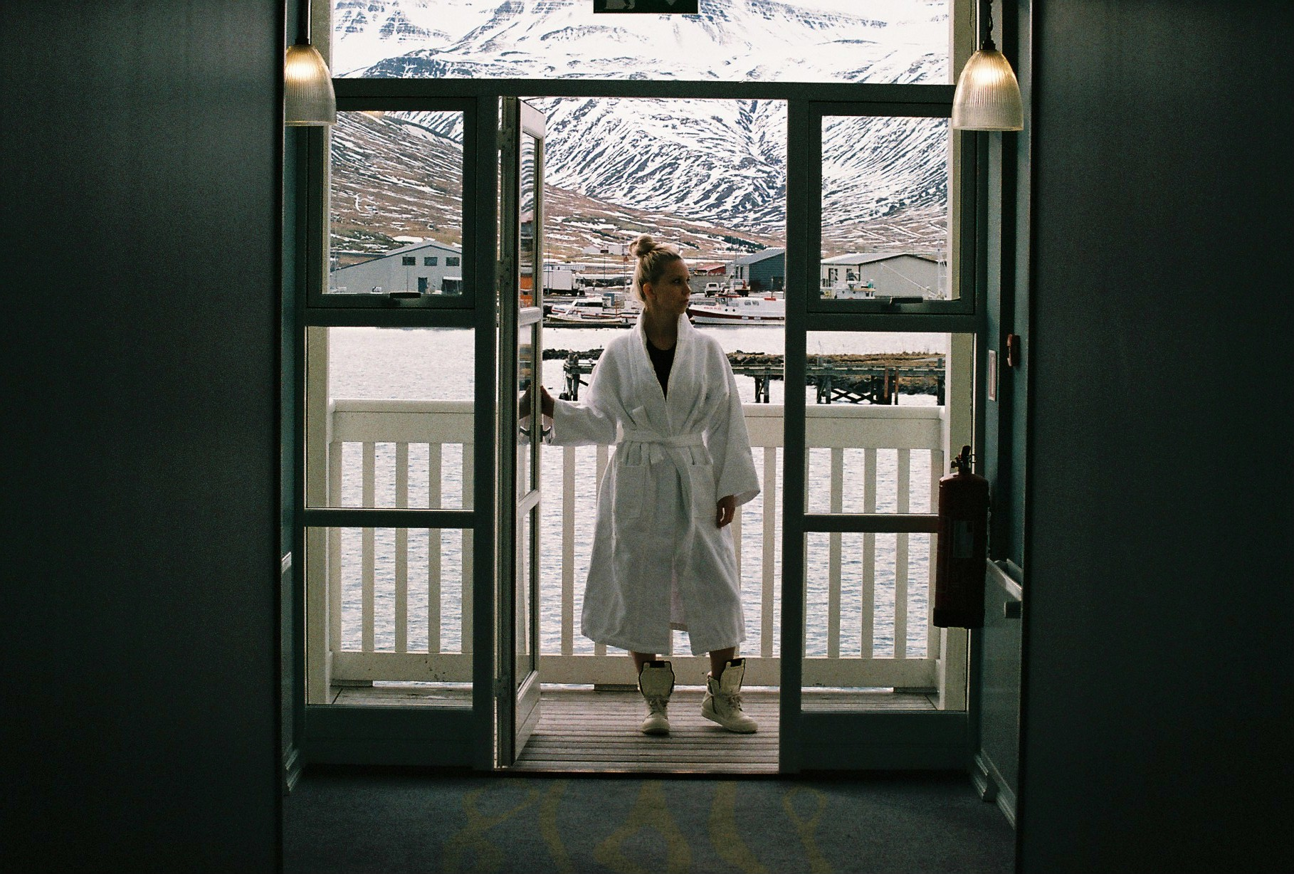 """As a lover of all spa related """"activities"""" I loved their spa area in the harbour itself, zoning out in the hot pool surrounded my mountains listening to the sound of the sea.  Robe:  Hotel Siglo 