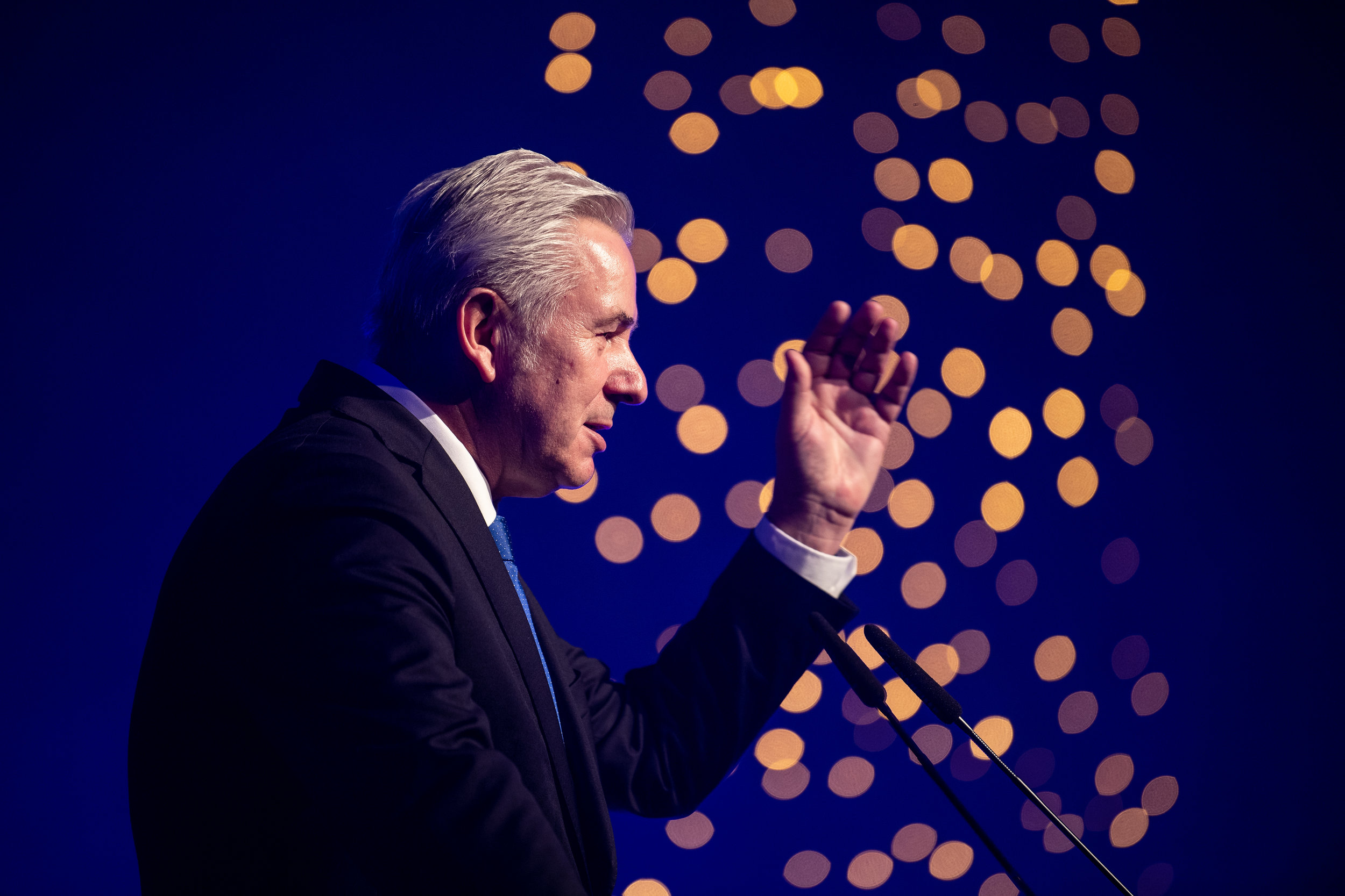 Klaus Wowereit, ehemaliger Bürgermeister von Berlin, hält auf der Verleihung des Laemmle Preises eine Laudatio.