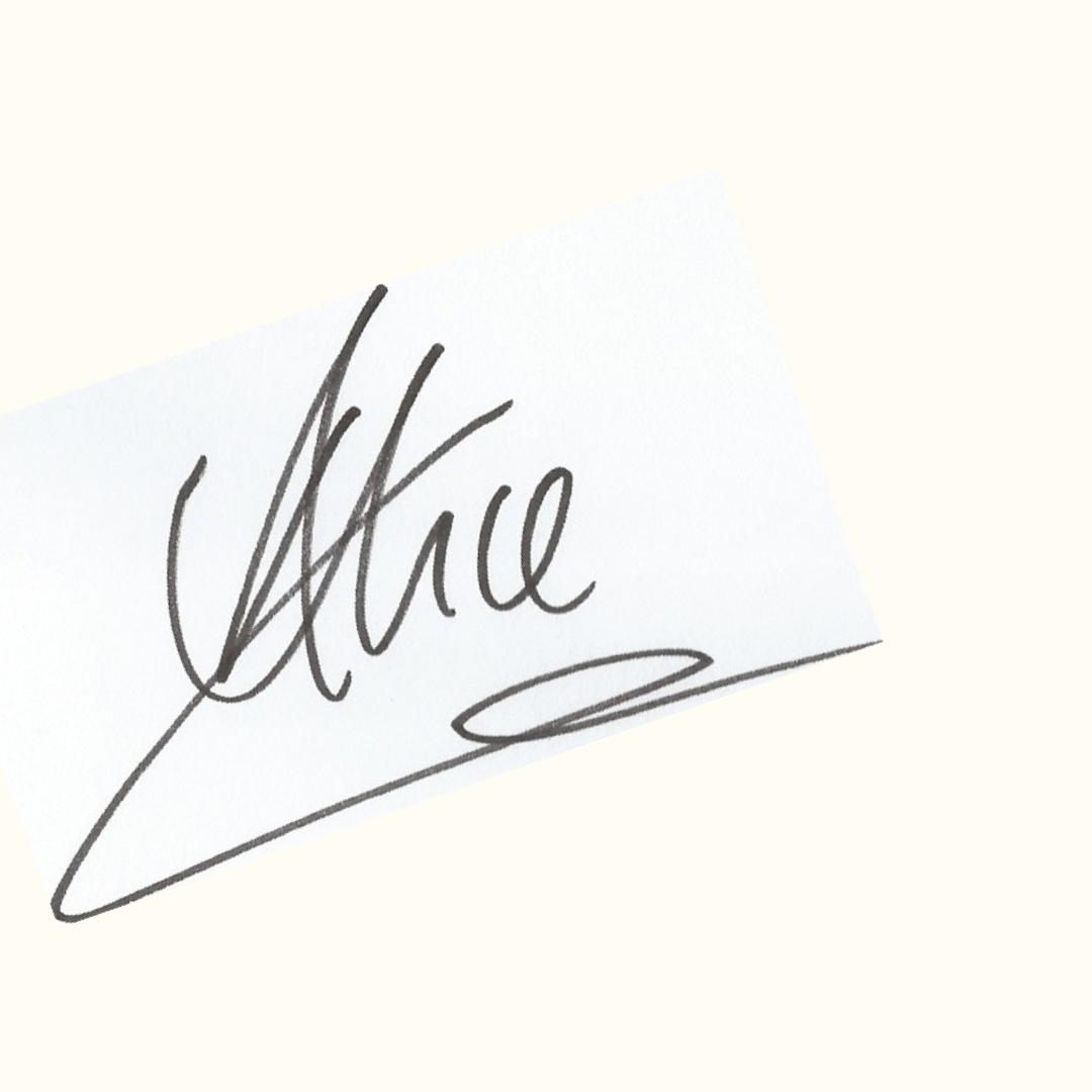 Alice Signature.png