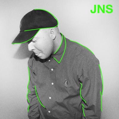 JNS er en artist og produsent fra Hamar. Han byr på velkomponerte beats svøpt i sterke hooks og rim, og serverer publikum ærlige låter som befinner seg i sfæren hiphop/RnB. Han har tidligere samarbeidet med folk som Oral Bee og Unge Ferrari.
