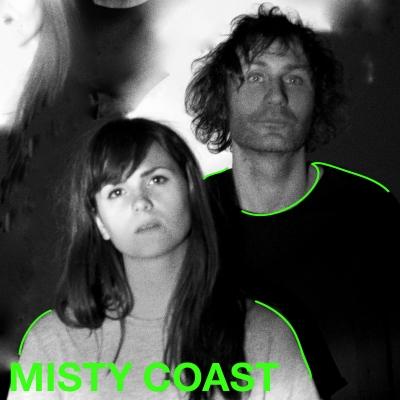 Misty Coast er sideprosjektet til Linn Frøkedal og Richard Myklebust i The Megaphonic Thrift. Dette er popmusikk på syre, med én fot på pedalbrettet og den andre trygt på bakken.