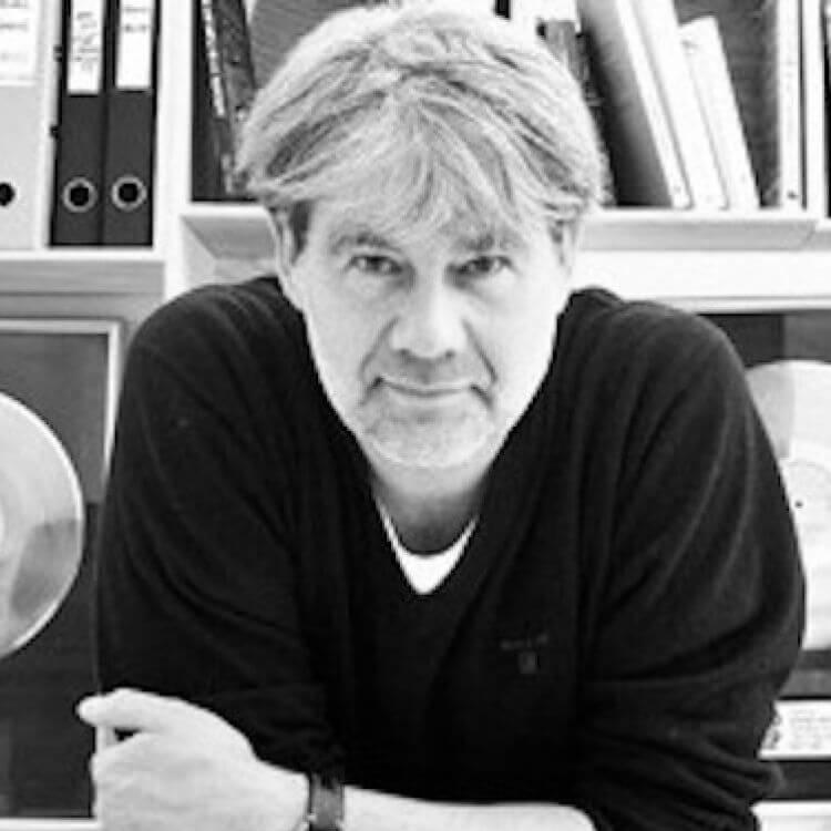 """Jesper Mardahl er leder for Produktionscenteret for Rytmisk Musik i Århus (Promus) som er Danmarks eneste nettverksplattform for det profesjonelle musikkmiljø, og som både tilbyr rådgiving, mentorordninger og kontorer og produksjonsfasiliteter til musikkbransjen i Århus. Promus er også ansvarlig for konferansedelen til SPOT-festivalen, Danmarks største musikkonferanse, og aktiv medspiller i forhold til """"Århus 2017 – Europeisk Kulturhovedstad""""."""