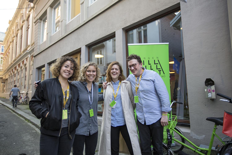 Fra venstre: Festivalkoordinator Lillian Santos Herberg, Brak-leder Karen Sofie Sørensen, festivalsjef Vilde Blomhoff og Joar Nicolaysen (Brak). (Foto: Jarle H. Moe)