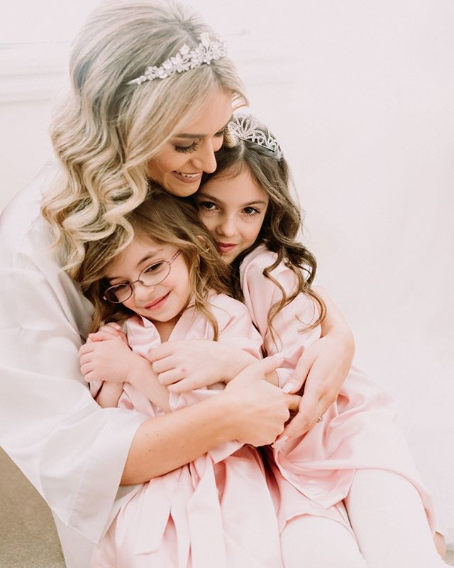 Cuddles! {Olga + Paul} by #blwwill . . . . . . . #melbournewedding #melbourneweddingphotography #weddinginspo #weddingday #weddingplanner #bride #bridestyle #weddinginspiration #weddingideas #engaged #instawedding #moments