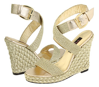 OR a bit more casual - great for a beach wedding!