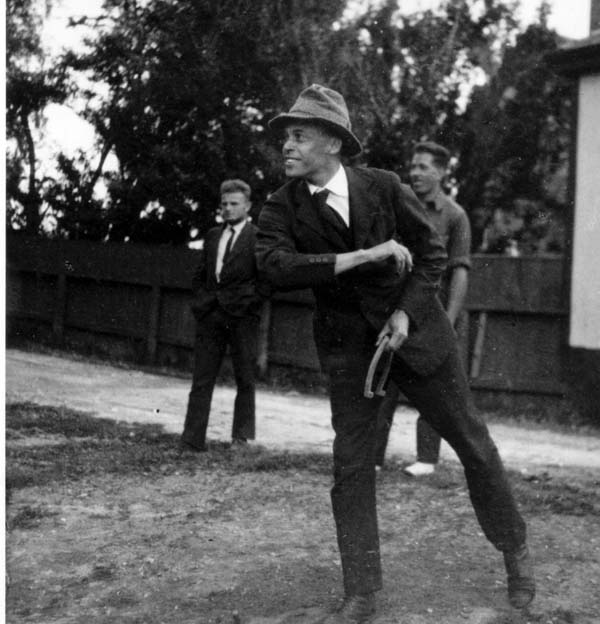 Ernest Everett Just throwing horseshoes at the Marine Biological Lab. (Photo: Alfred Huettner/ Marine Biological Laboratory )