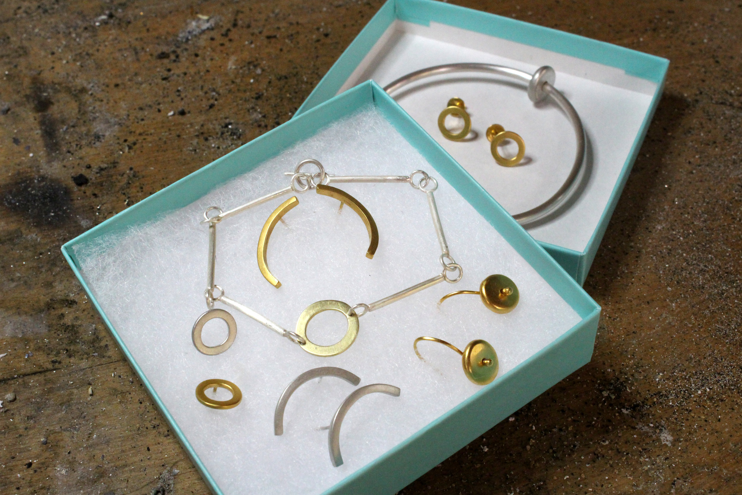 Contemporary silver jewellery by Elaine Partington, Hastings