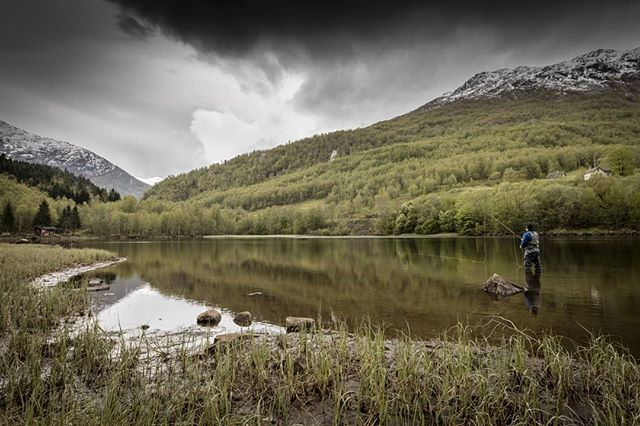 Fiske i vakker natur! #jølster #fiske #aure #natur #fjell #idyll