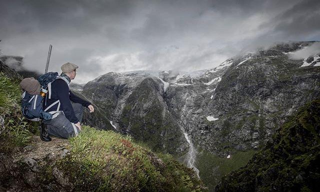 Utsikt mot lundebreen frå Lundeskaret #lundeskaret #jølster #jostedalsbreen #jostedalsbreennasjonalpark #glacier #mountains #norge #norgeraw #norgesfotografer #norsknatur #sognogfjordane