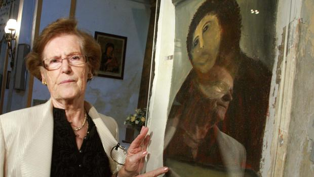 "Cecilia Giménez with the ""Ecce Homo"" restoration."