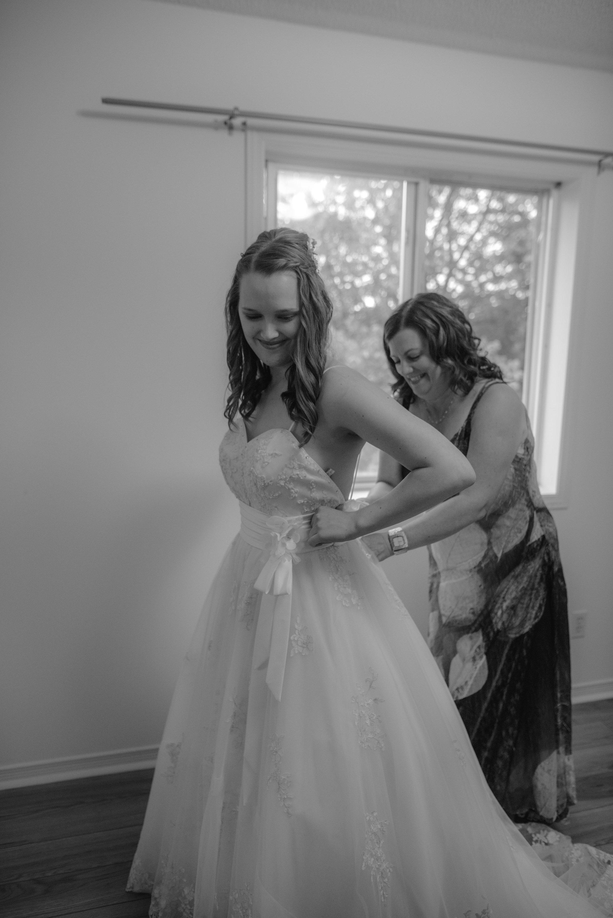 wedding_photographer_lifestyle_documentary_photographe_ottawa_gatineau-43.jpg