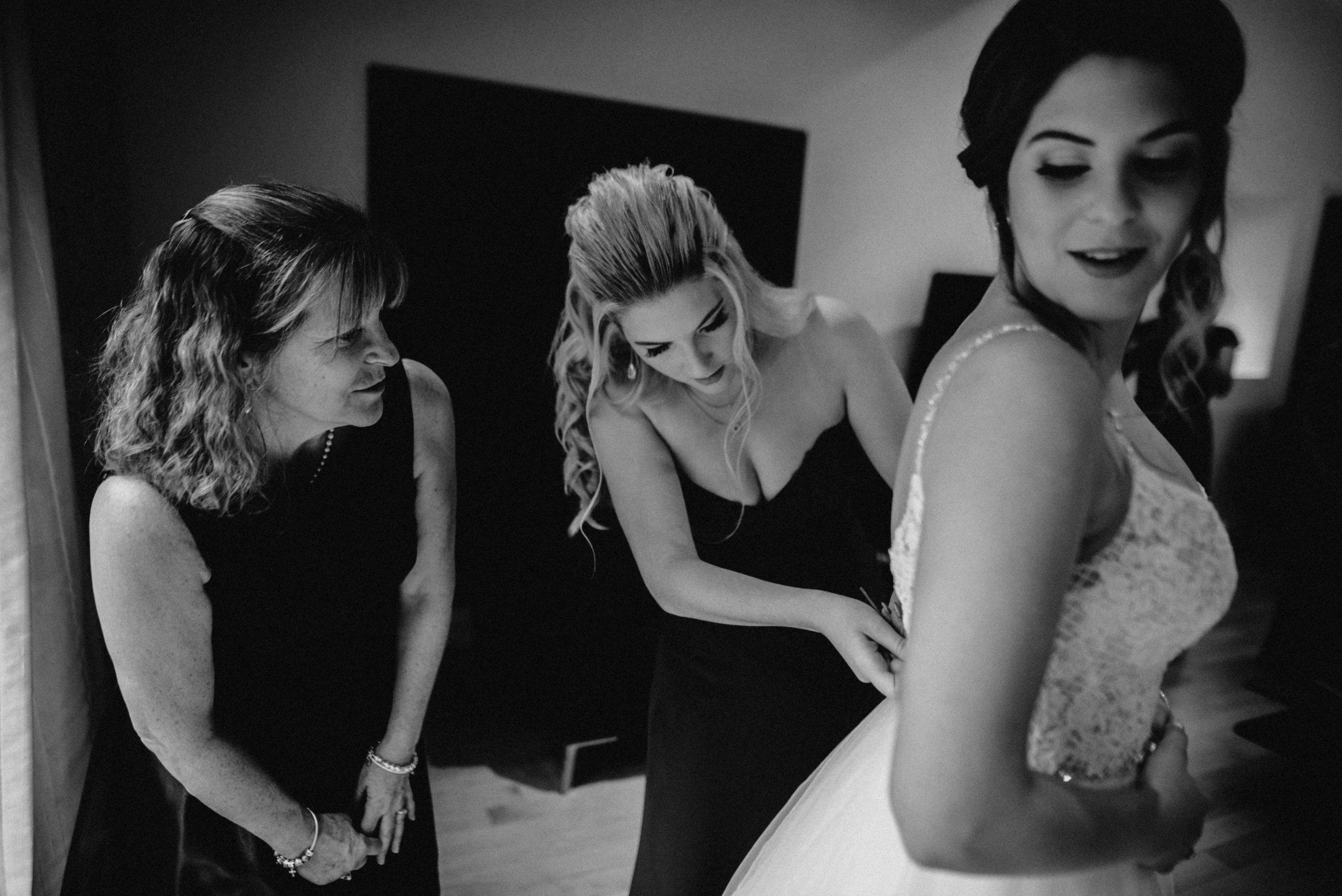 photographe_gatineau_mariage_ottawa_photographer_wedding_natasha_liard_photo_documentary_candid_lifestyle_wakefield_mill_red_bridge (12).jpg