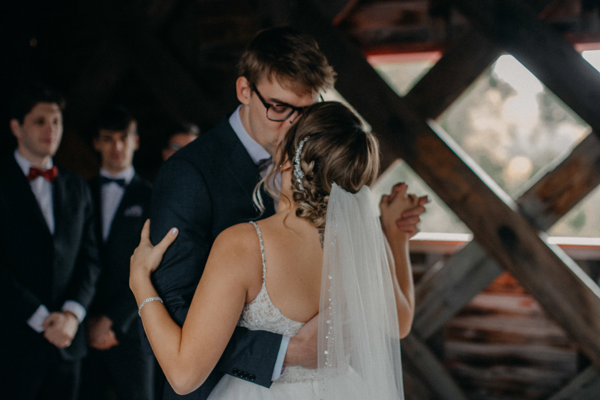 photographe_gatineau_mariage_ottawa_photographer_wedding_natasha_liard_photo_documentary_candid_lifestyle_wakefield_mill_red_bridge (26).jpg
