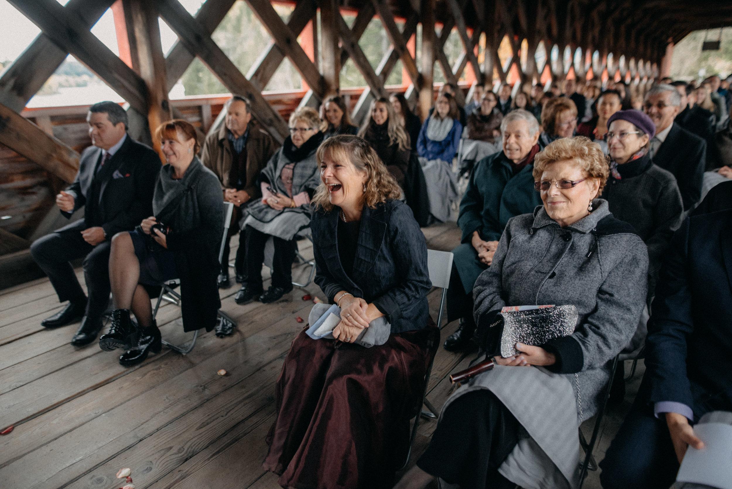 photographe_gatineau_mariage_ottawa_photographer_wedding_natasha_liard_photo_documentary_candid_lifestyle_wakefield_mill_red_bridge (30).jpg