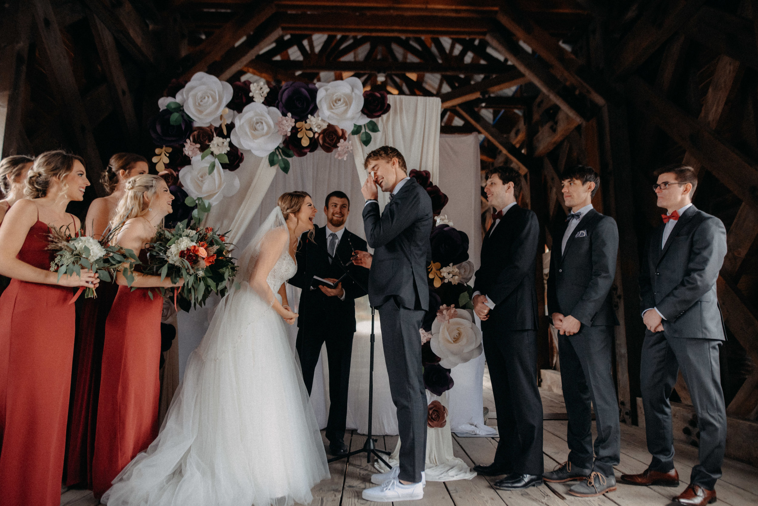 photographe_gatineau_mariage_ottawa_photographer_wedding_natasha_liard_photo_documentary_candid_lifestyle_wakefield_mill_red_bridge (32).jpg