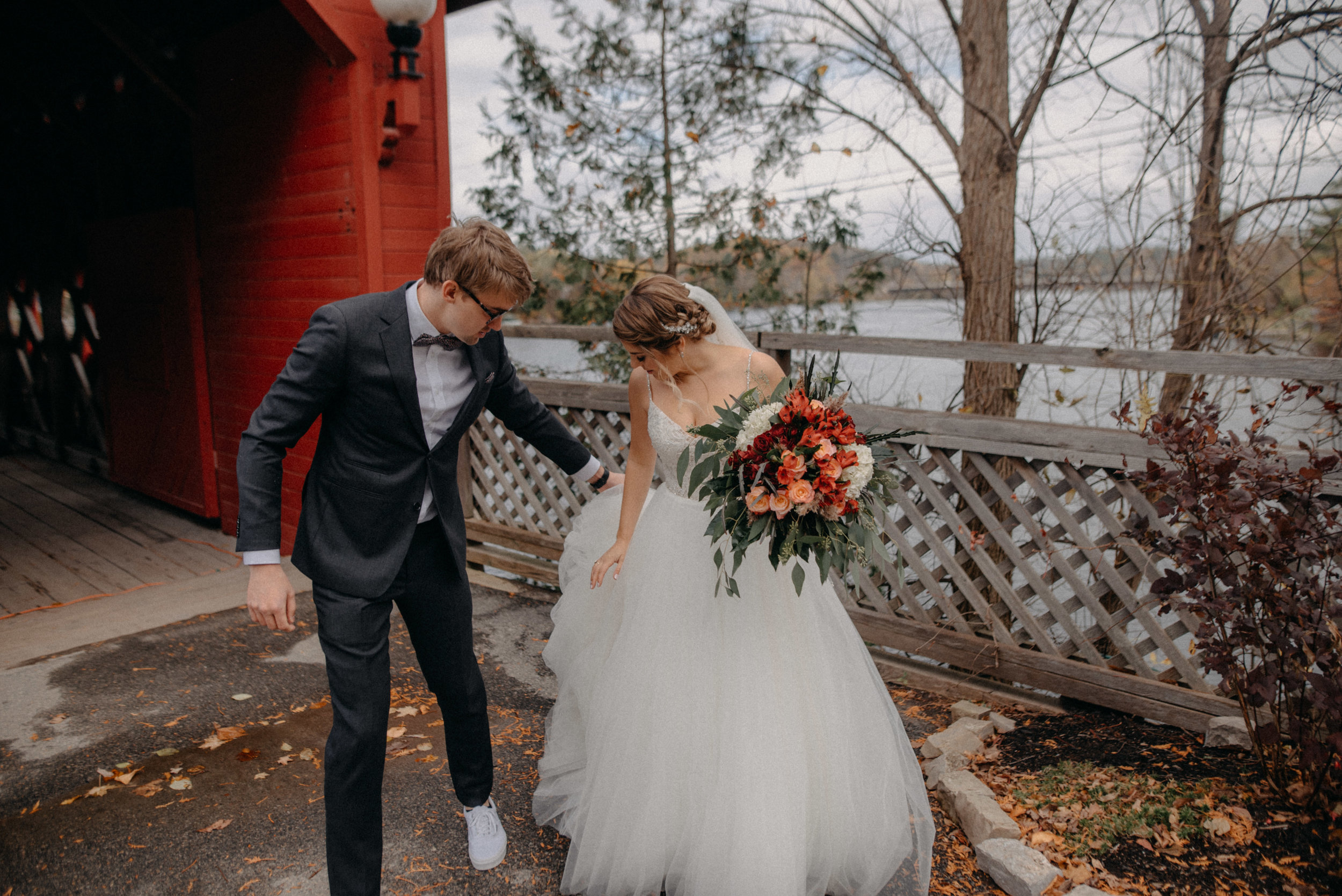 photographe_gatineau_mariage_ottawa_photographer_wedding_natasha_liard_photo_documentary_candid_lifestyle_wakefield_mill_red_bridge (39).jpg