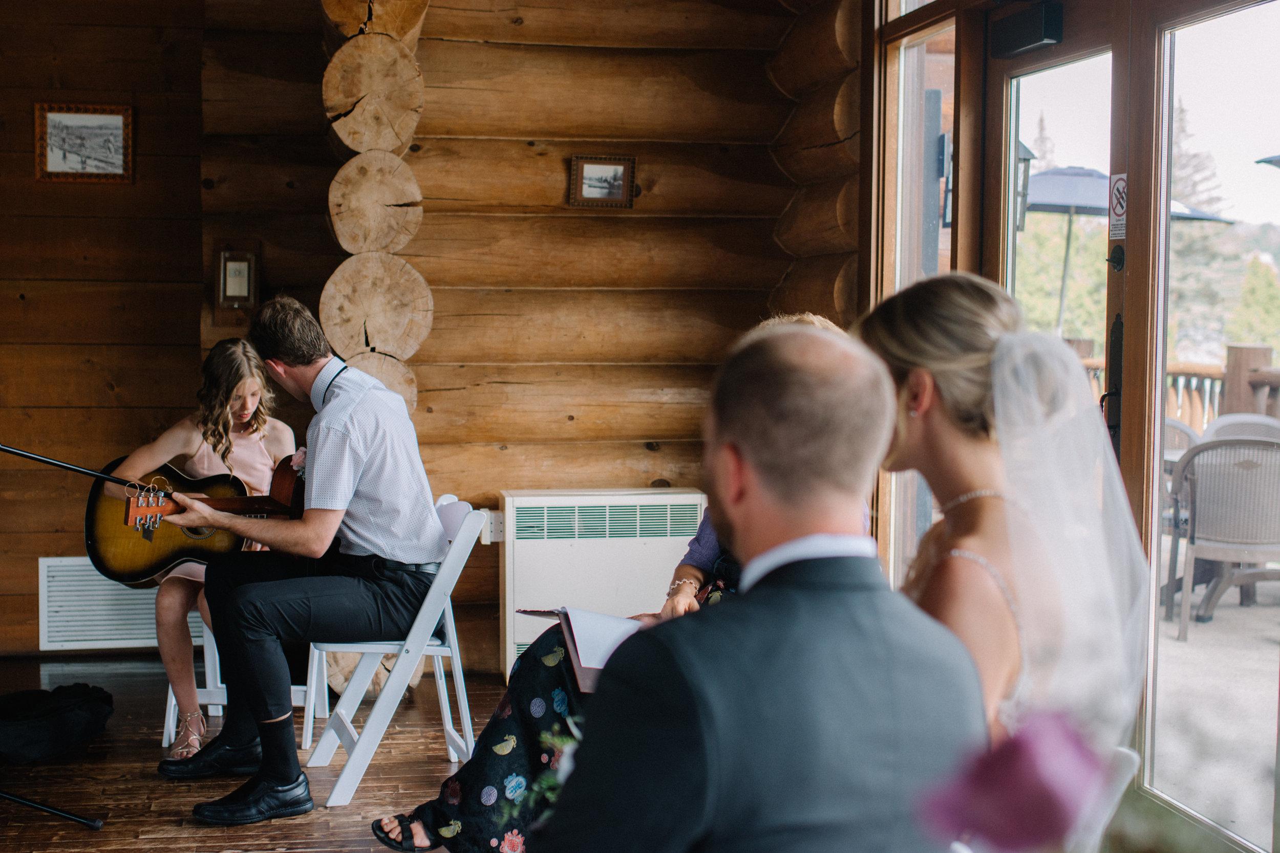 gatineau_photographe_mariage_ottawa_wedding_photography_documentary_candid_unposed_lifestyle_photography_photographie_613_family_famille (36).jpg