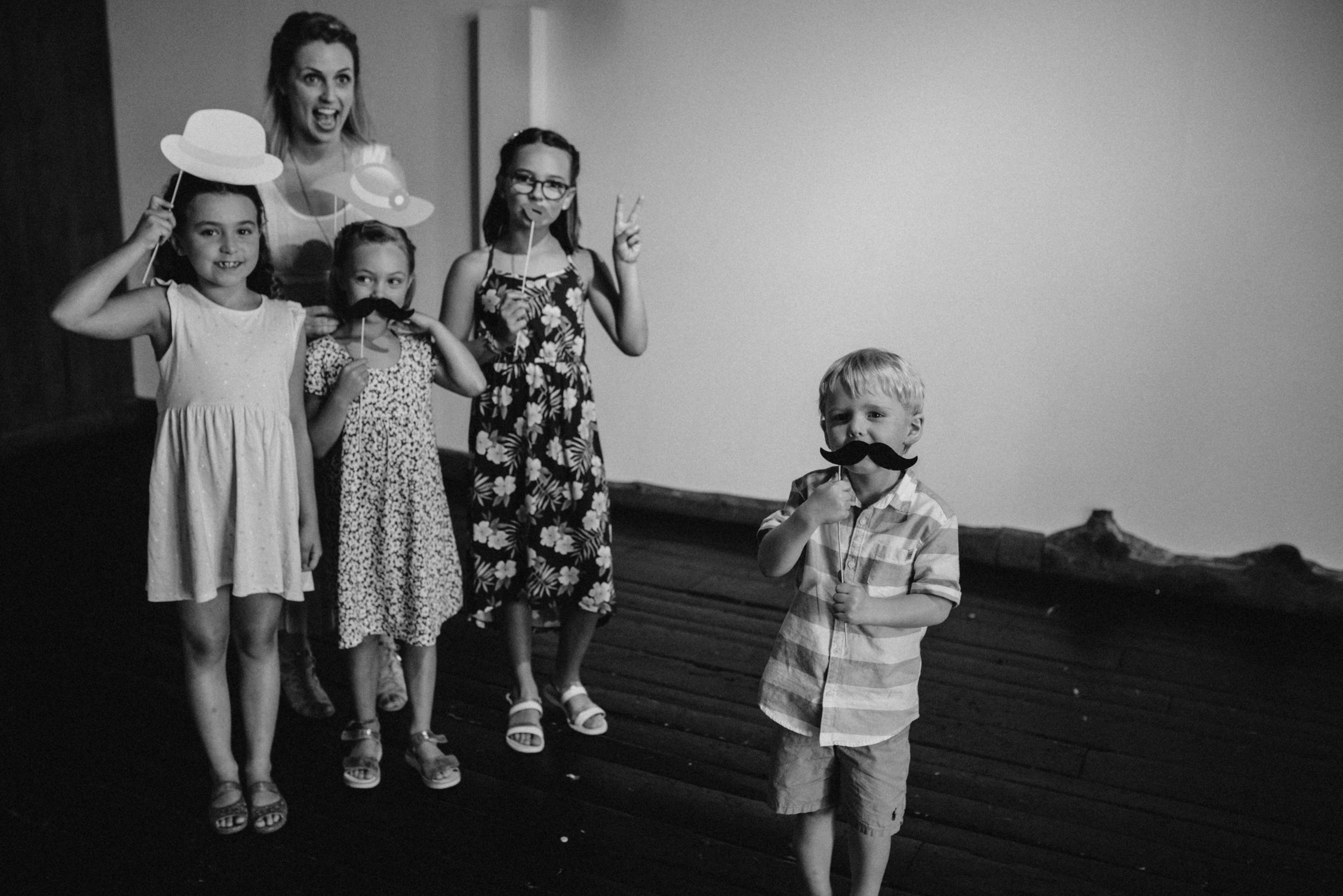 gatineau_photographe_mariage_ottawa_wedding_photography_documentary_candid_unposed_lifestyle_photography_photographie_613_family_famille (5).jpg