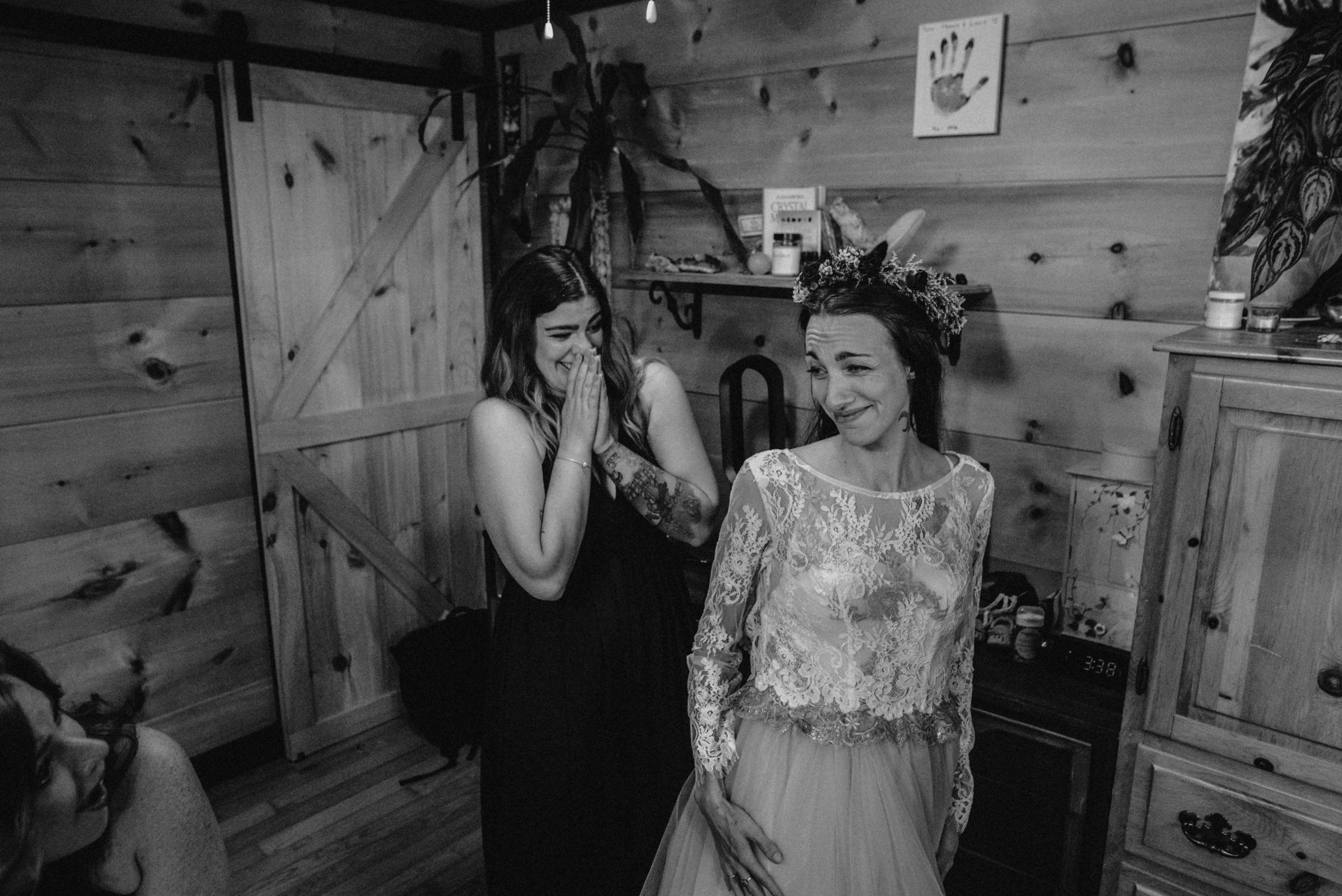 ottawa_wedding_photographer_gatineau_photographe_mariage_documentary_candid_photojournalist_natural_raw_boho_wedding_backyard (10).JPG
